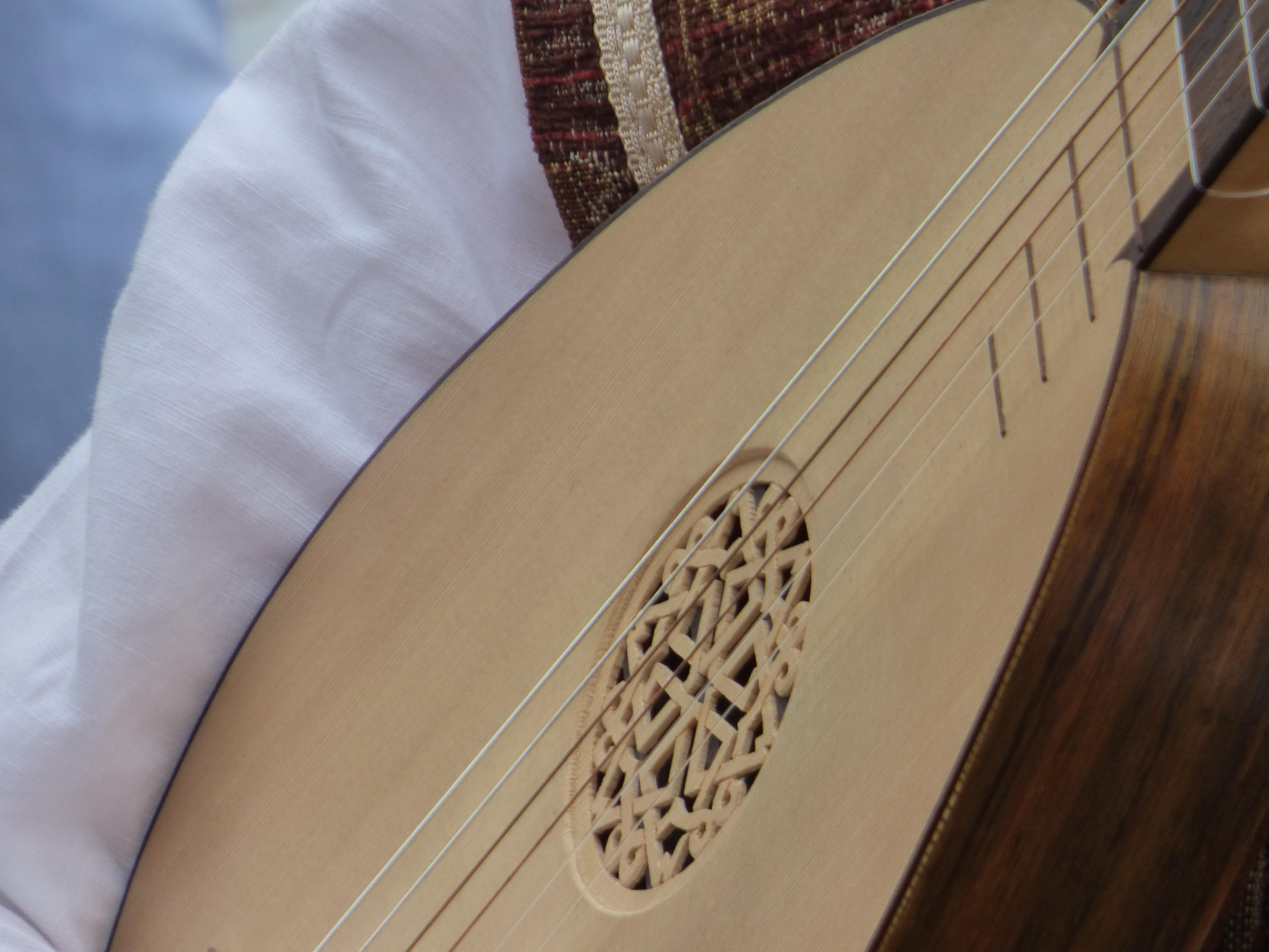 beige and brown saz free image