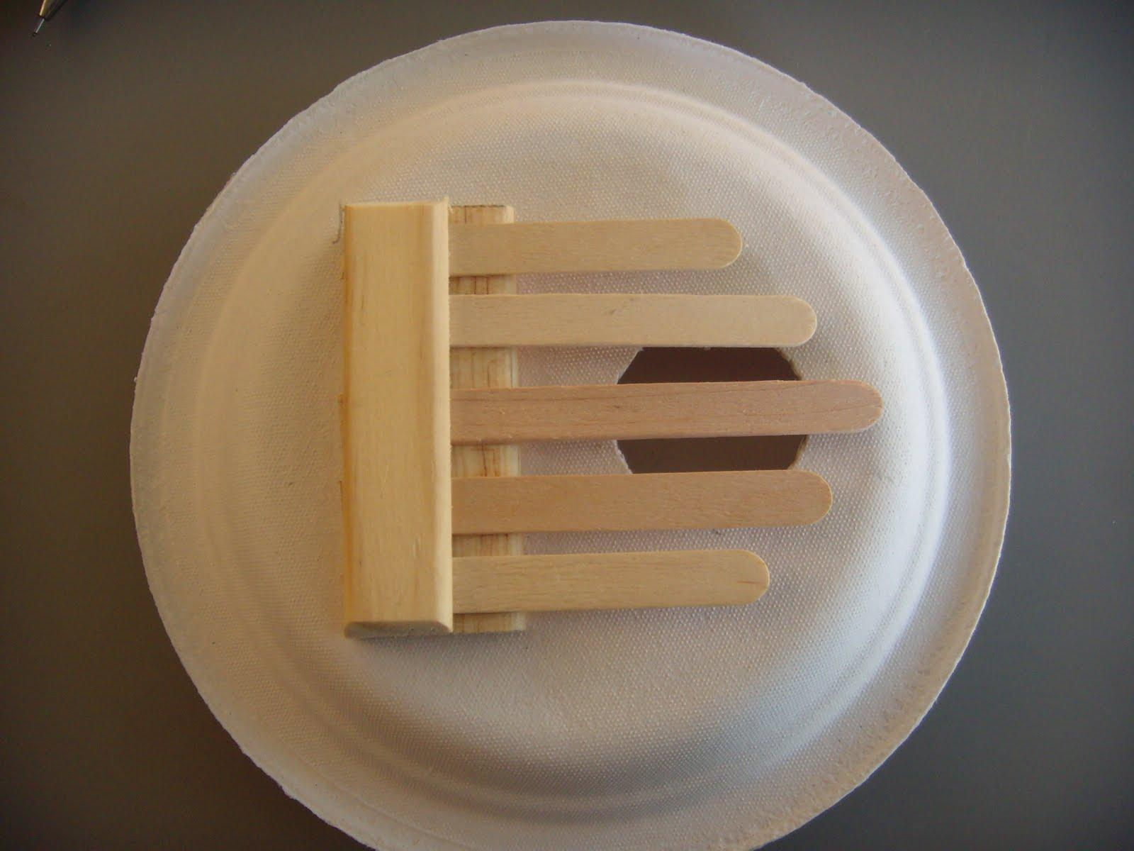 D, Popsicle Stick and Paper Plate Kalimba!