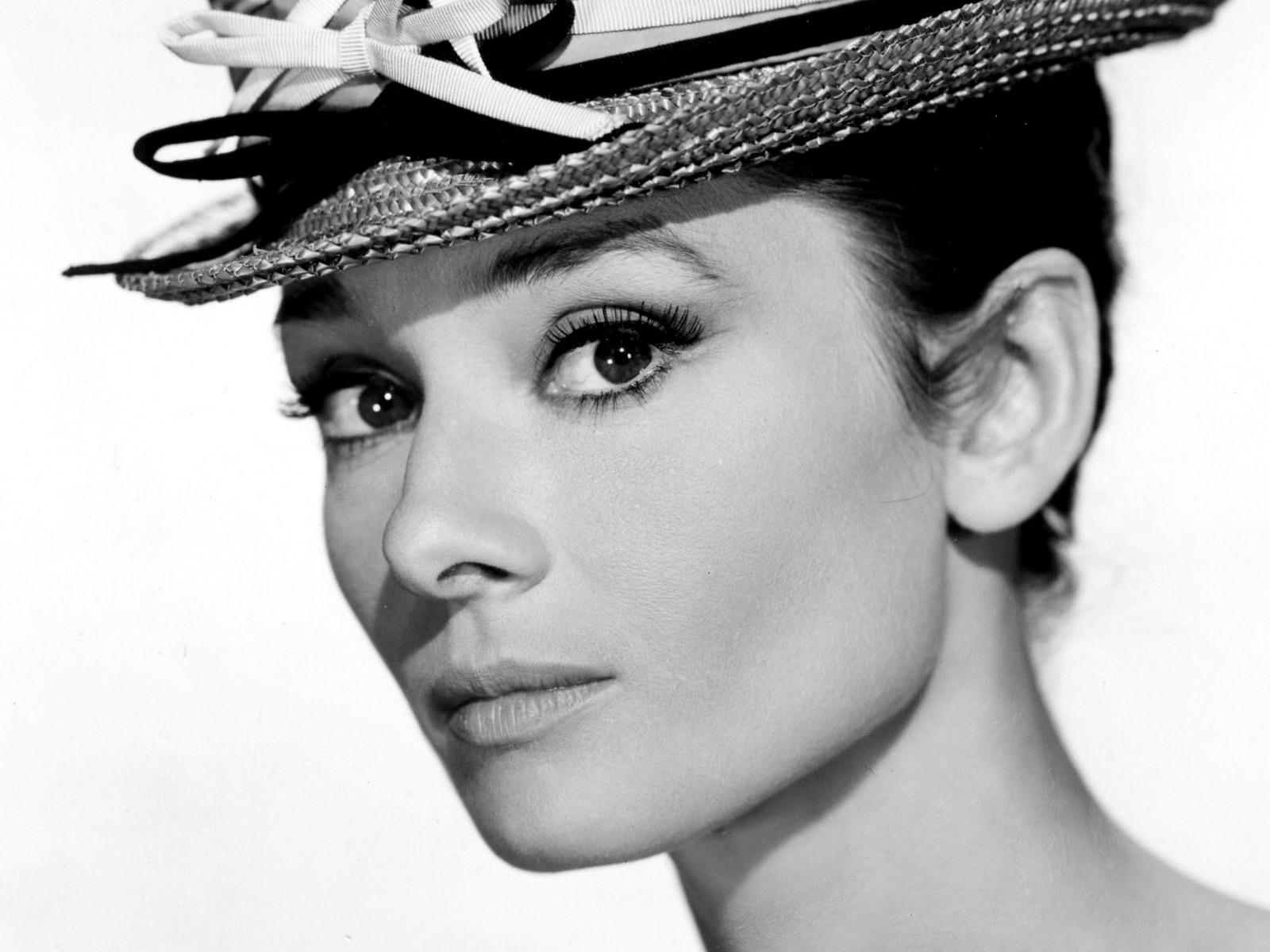 Audrey Hepburn Wallpapers and Backgrounds Image