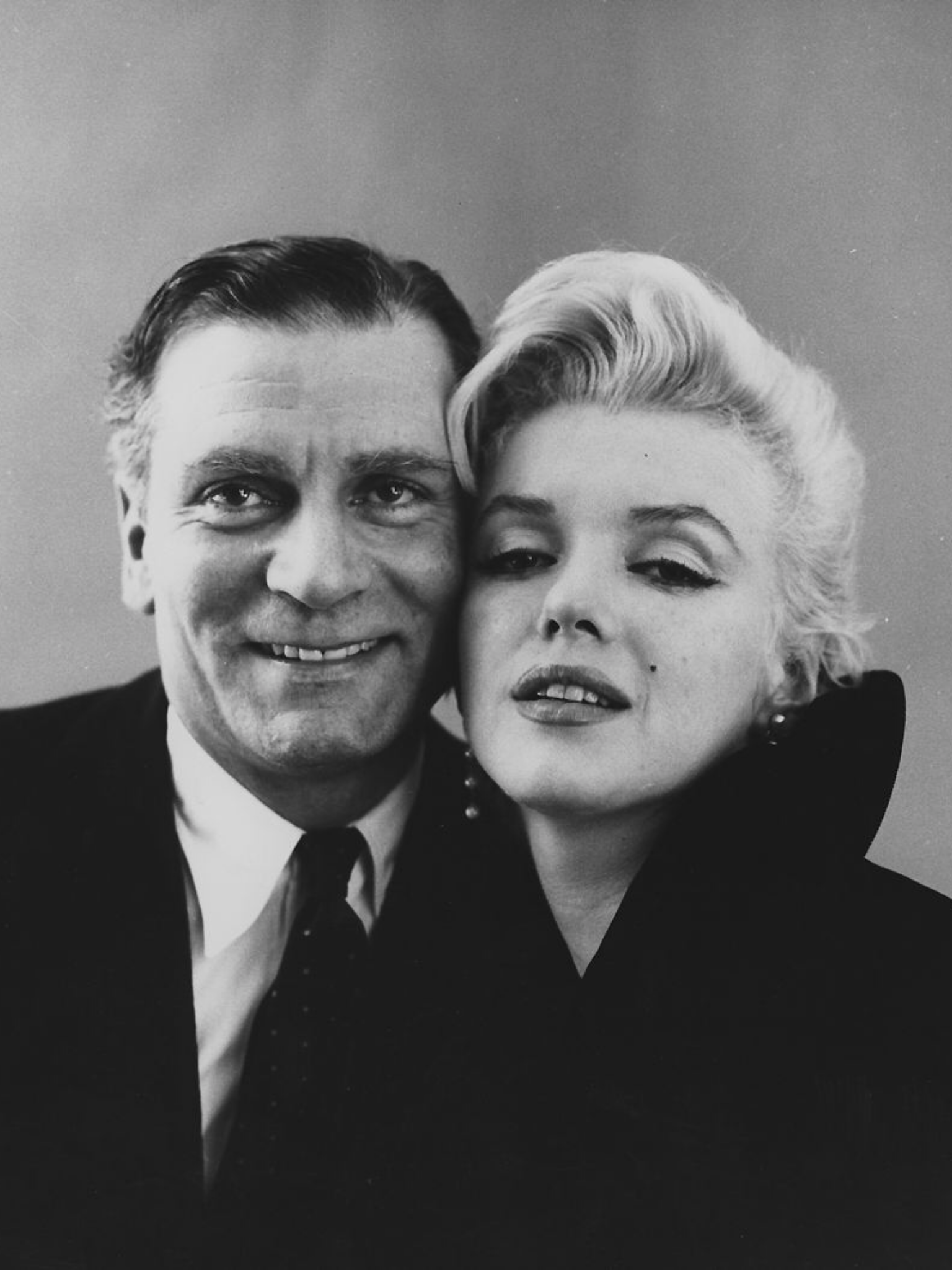 Laurence Olivier and Marilyn Monroe photographed by Milton H. Greene