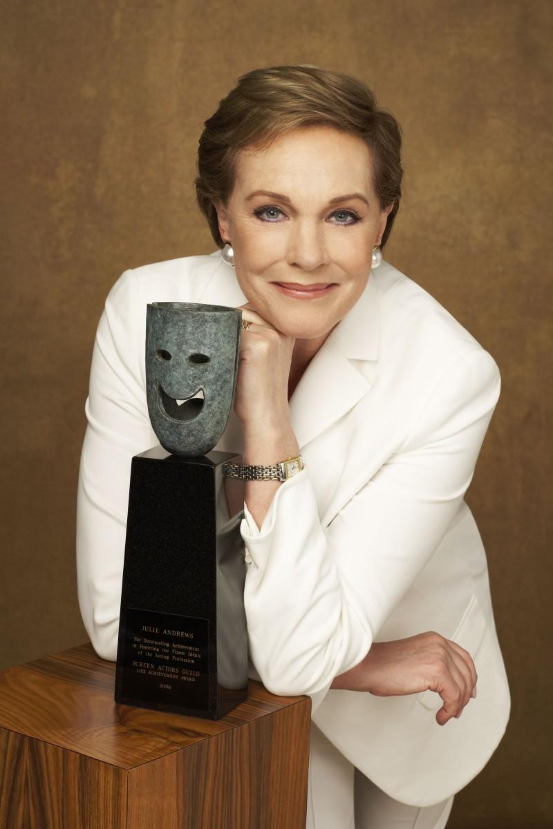 Julie Andrews photo 37 of 38 pics, wallpapers