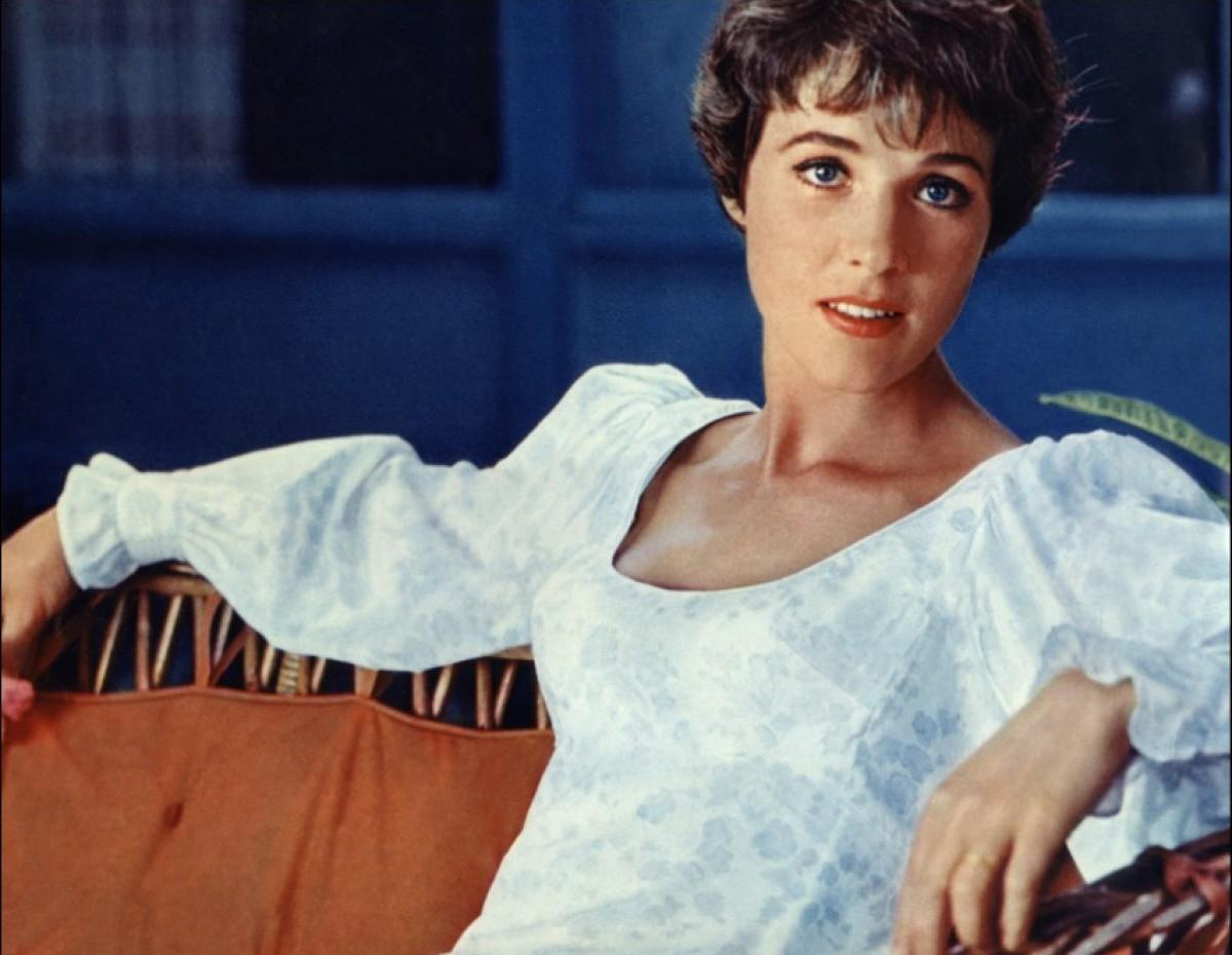 Julie Andrews photo 28 of 38 pics, wallpapers