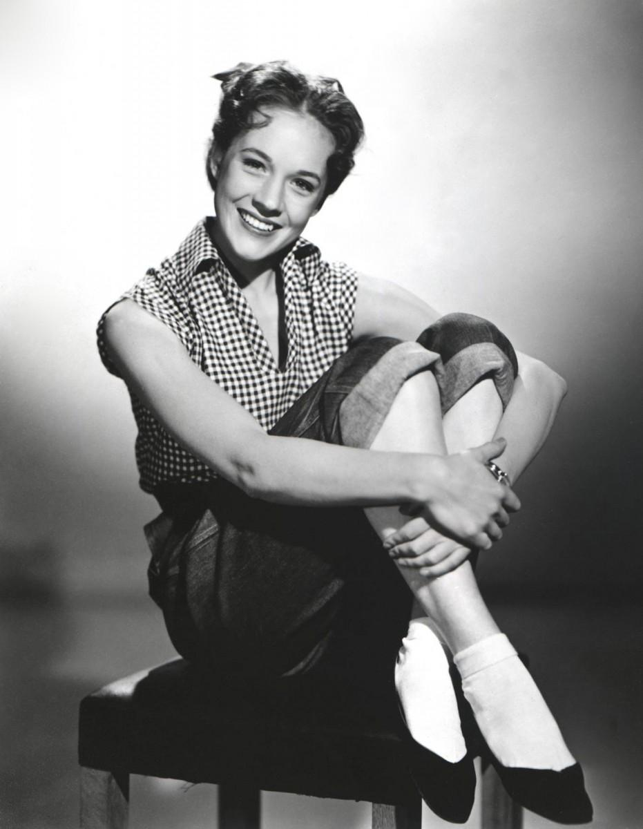 Julie Andrews photo 21 of 38 pics, wallpapers