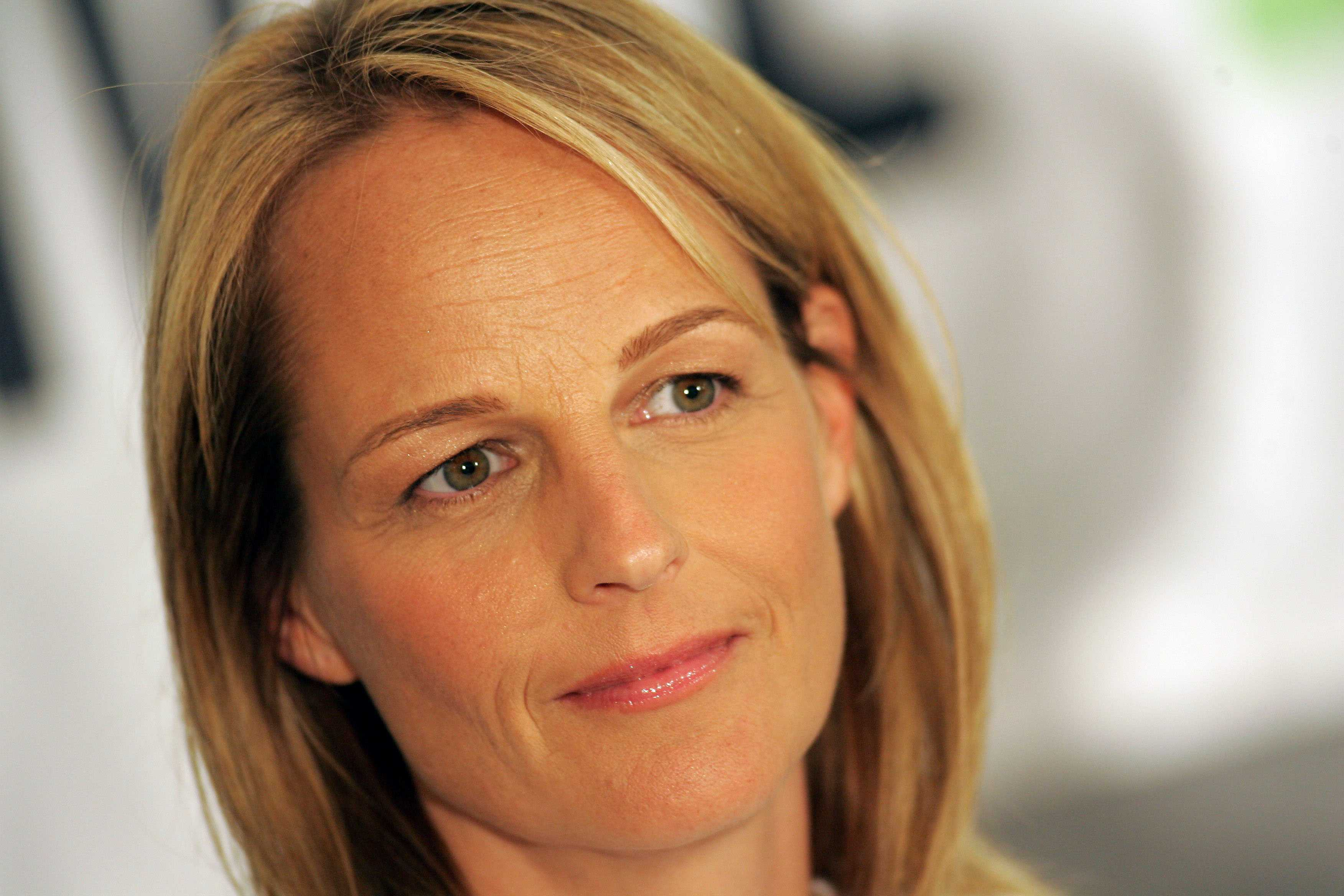 Helen Hunt in a summer picture