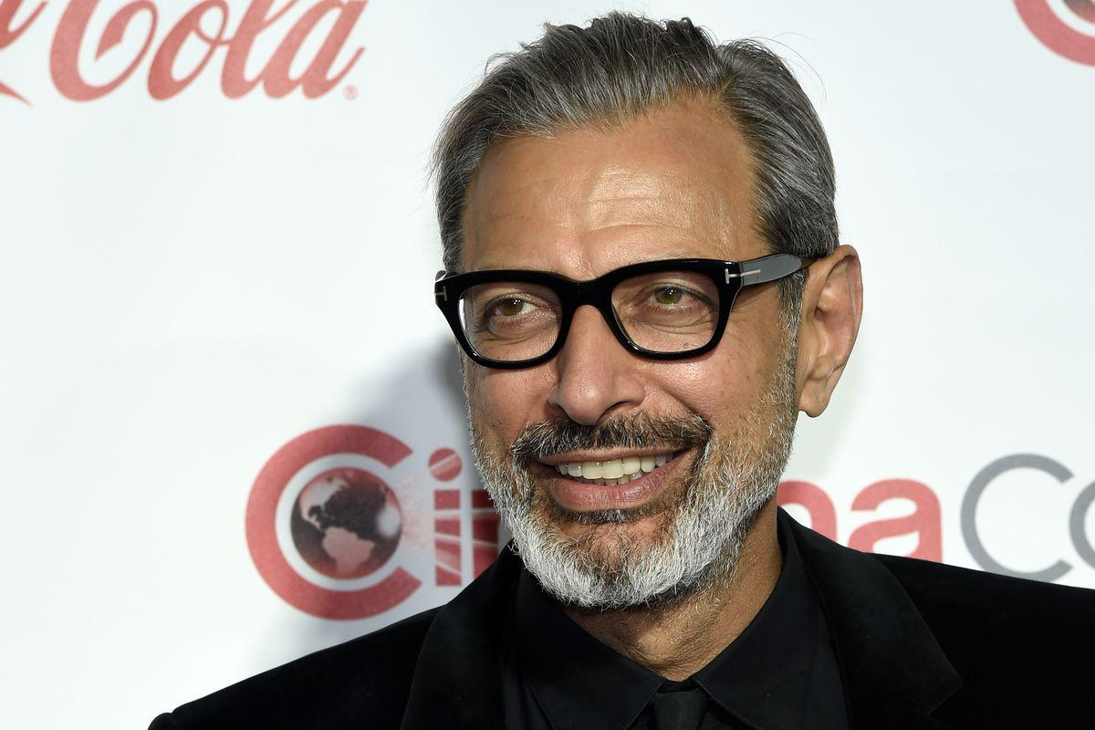 Jeff Goldblum can't say no to dinosaurs, will appear in Jurassic