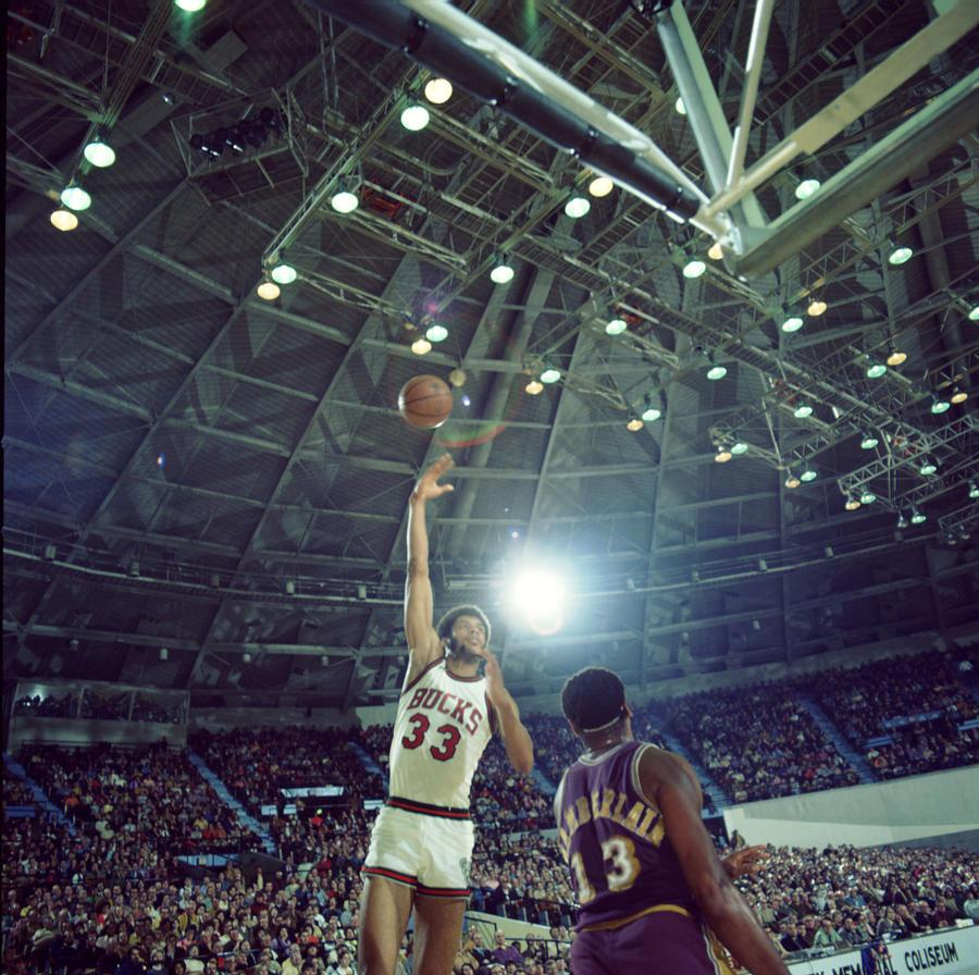 Kareem Abdul Jabbar Sky Hook Photograph by Retro Images Archive