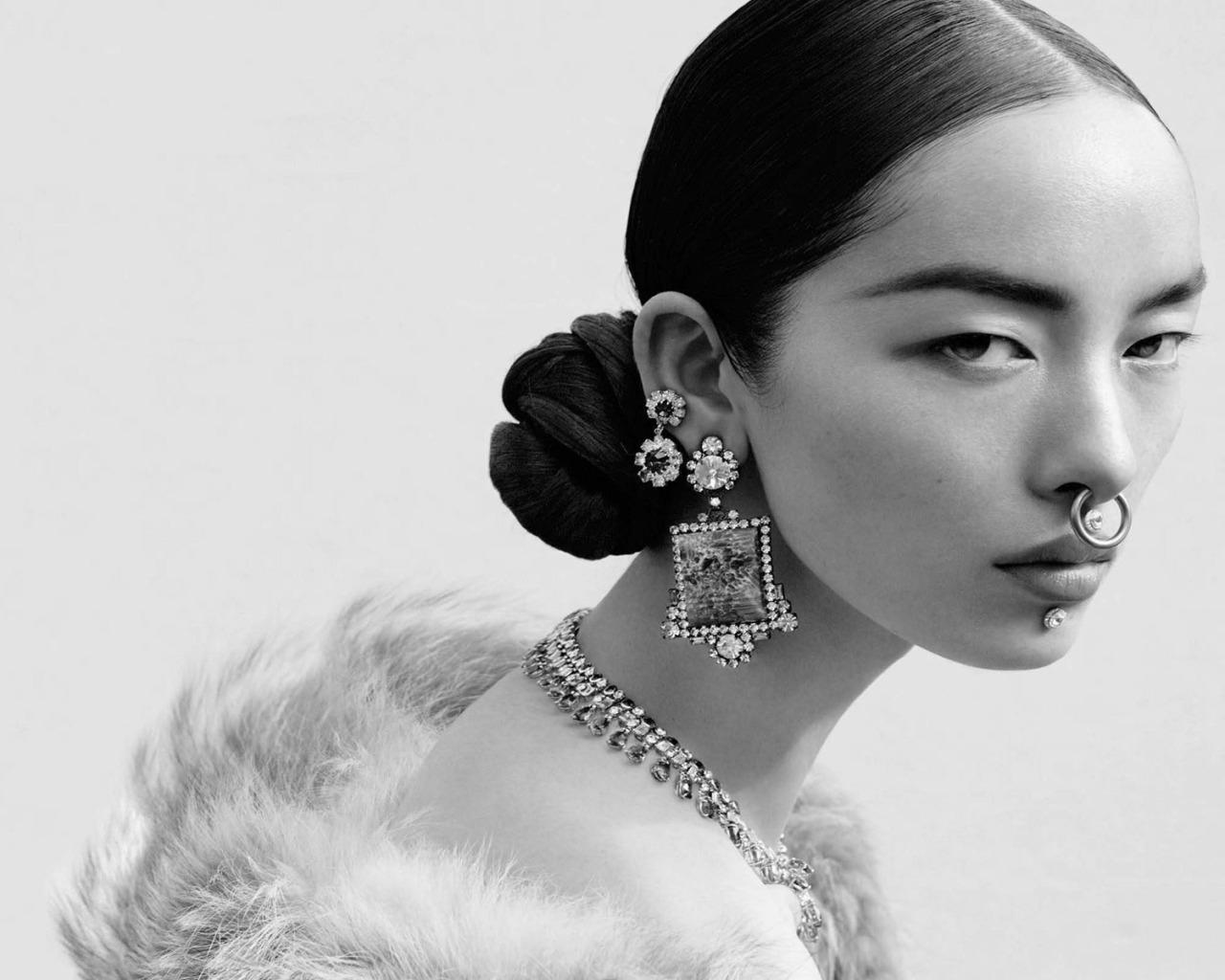 senyahearts:Fei Fei Sun by Mert Alas & Marcus Piggott for Vogue