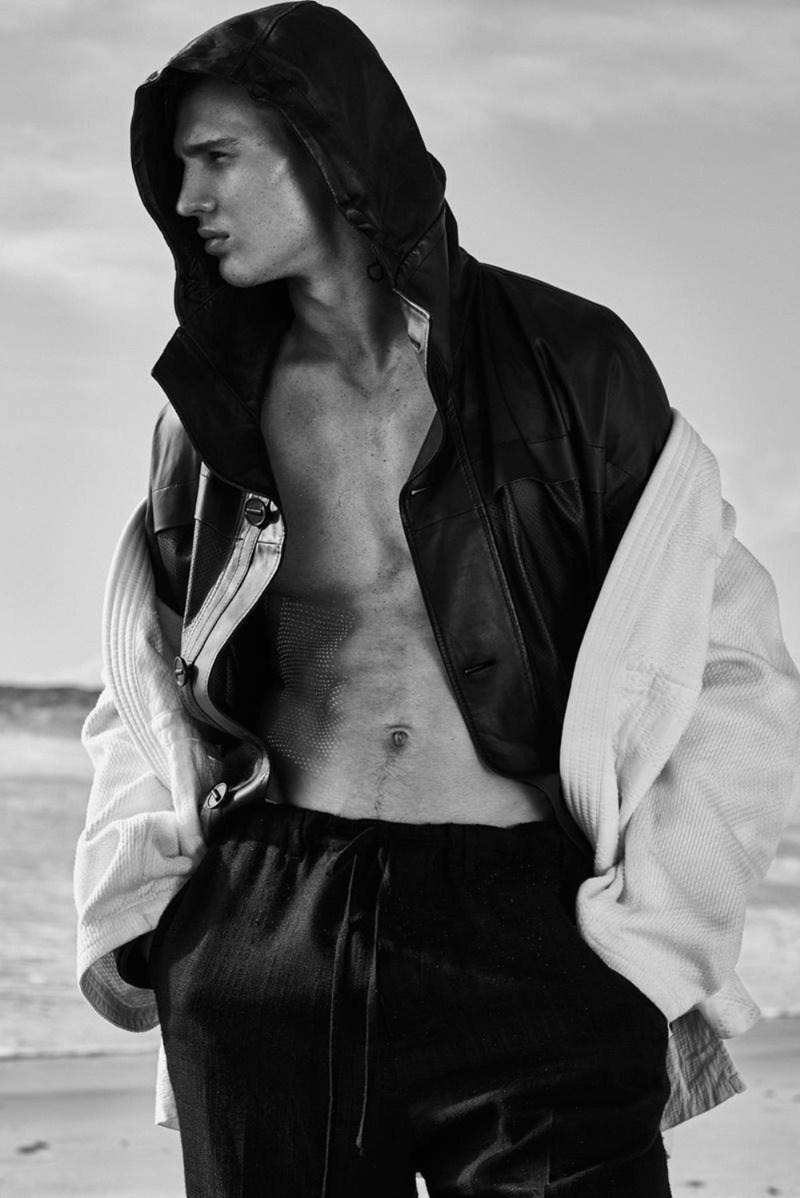 DSECTION MAGAZINE: Julian Schneyder by Philippe Vogelenzang