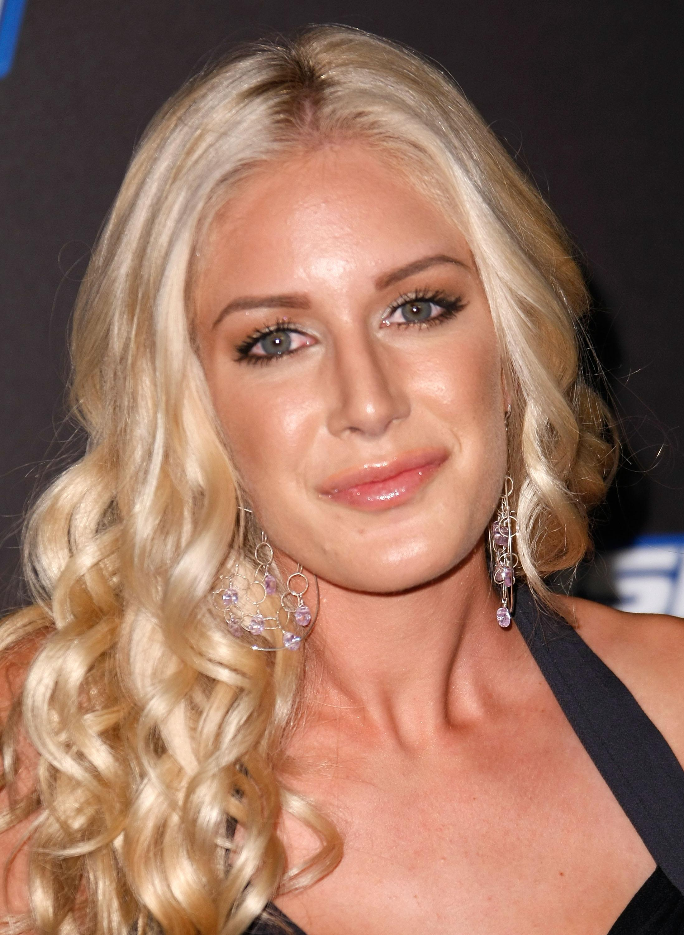 Download Heidi Montag Wallpapers 2196x3000