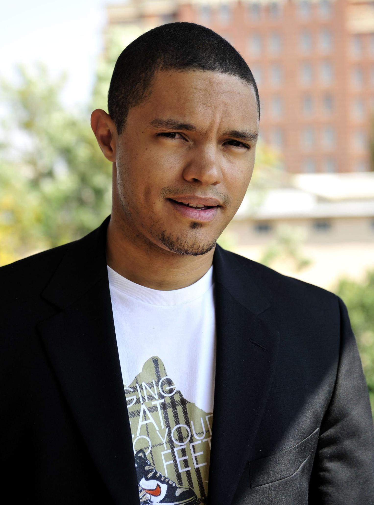 Trevor Noah, new 'Daily Show' host, faces backlash for tweets about ...