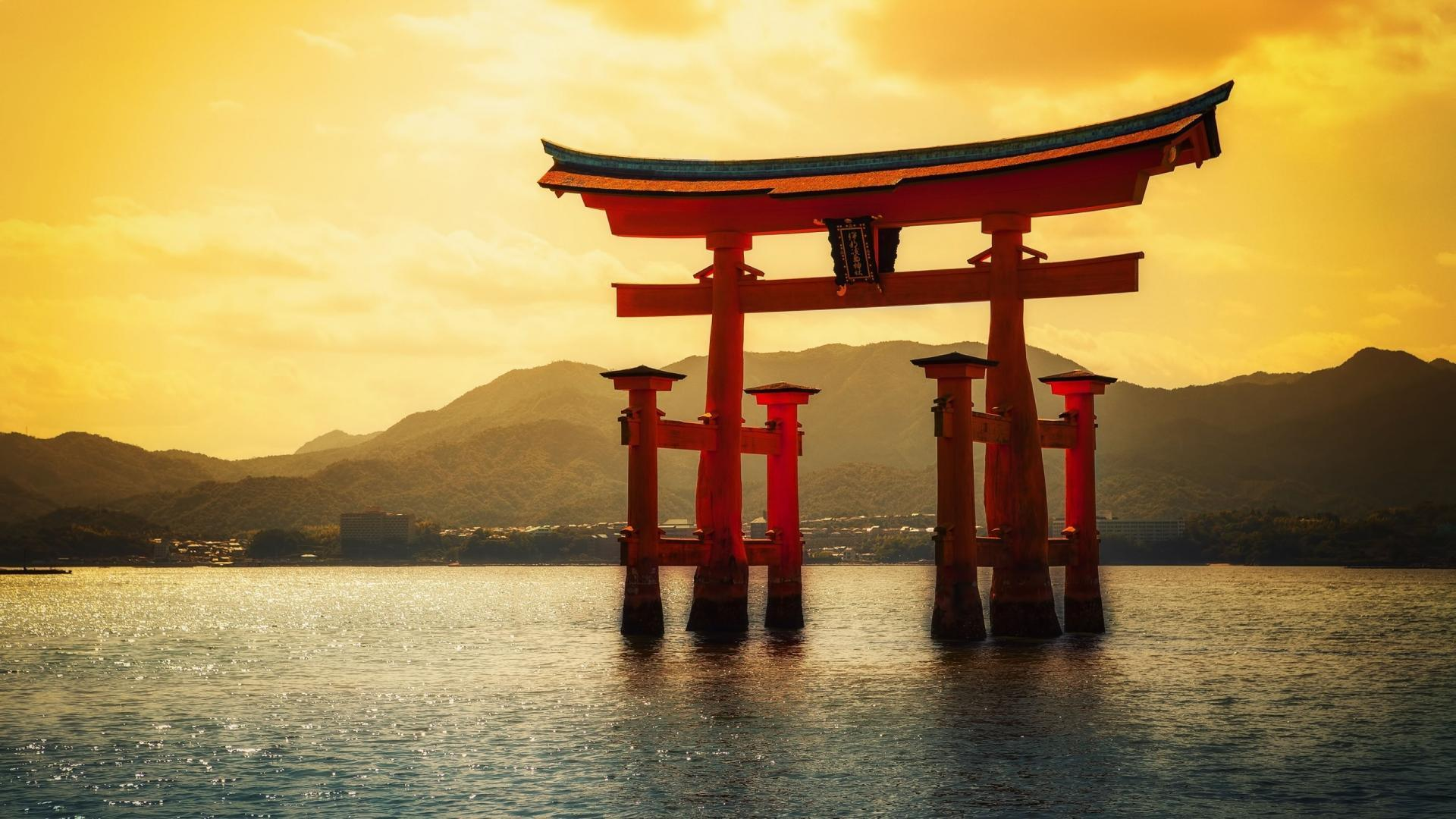 Gate sunlight torii seascapes japanese itsukushima shrine