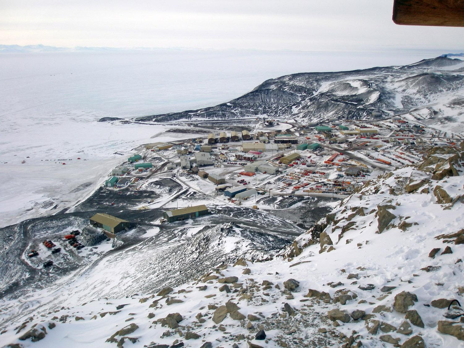 Antarctic Stations - Scientific Research Bases and Facilities