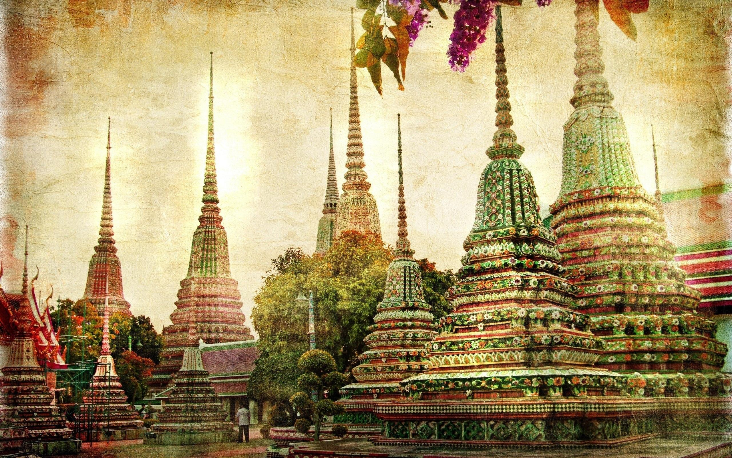 Temples in colors in Bangkok, Thailand wallpapers and images ...