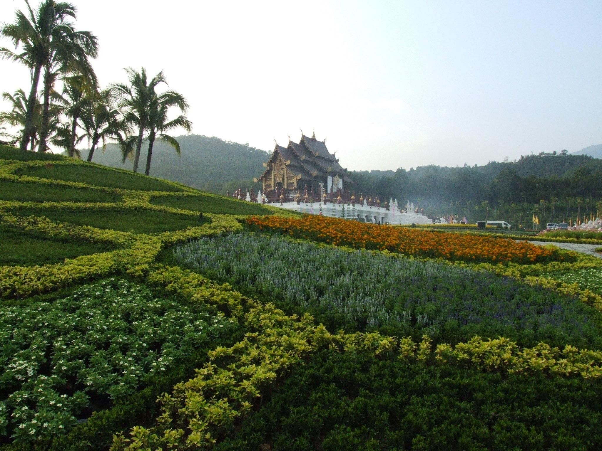 Garden in the resort of Chiang Mai, Thailand wallpapers and image