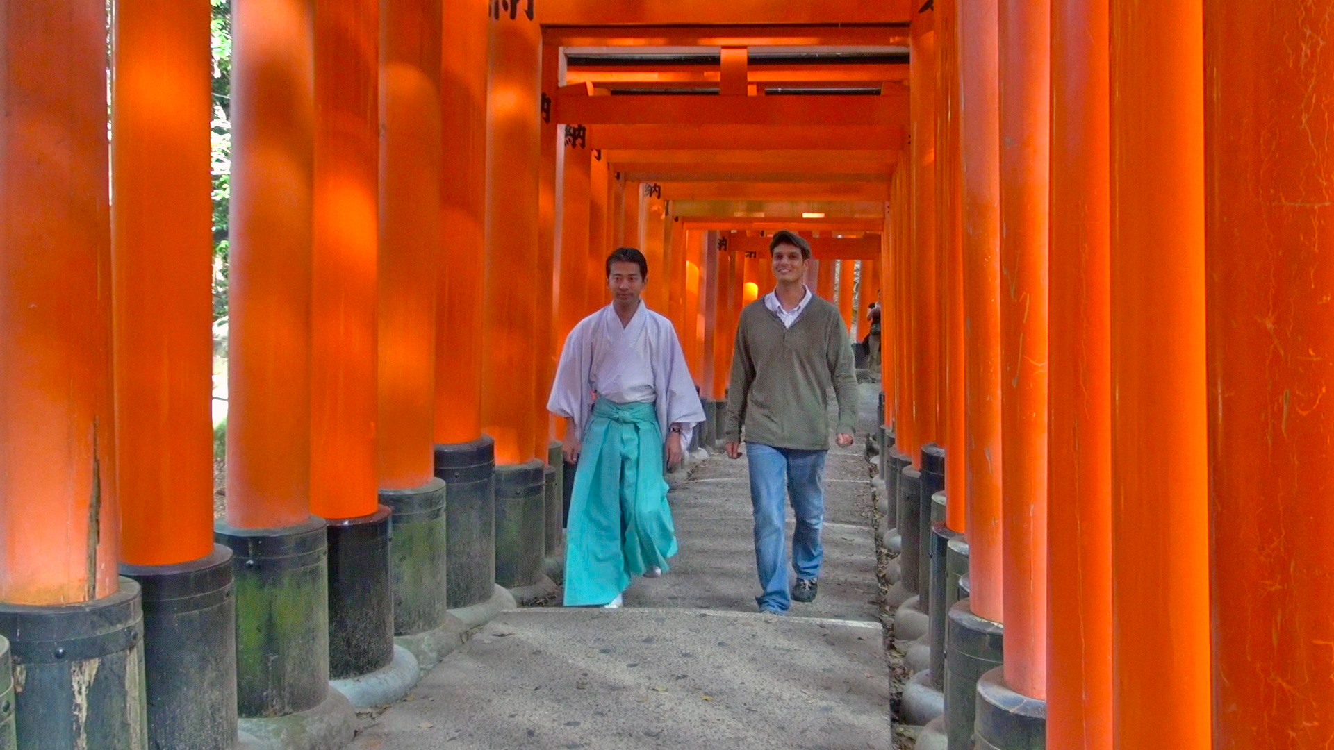 Fushimi Inari Shrine: What Makes it Japan's No. 1 Attraction