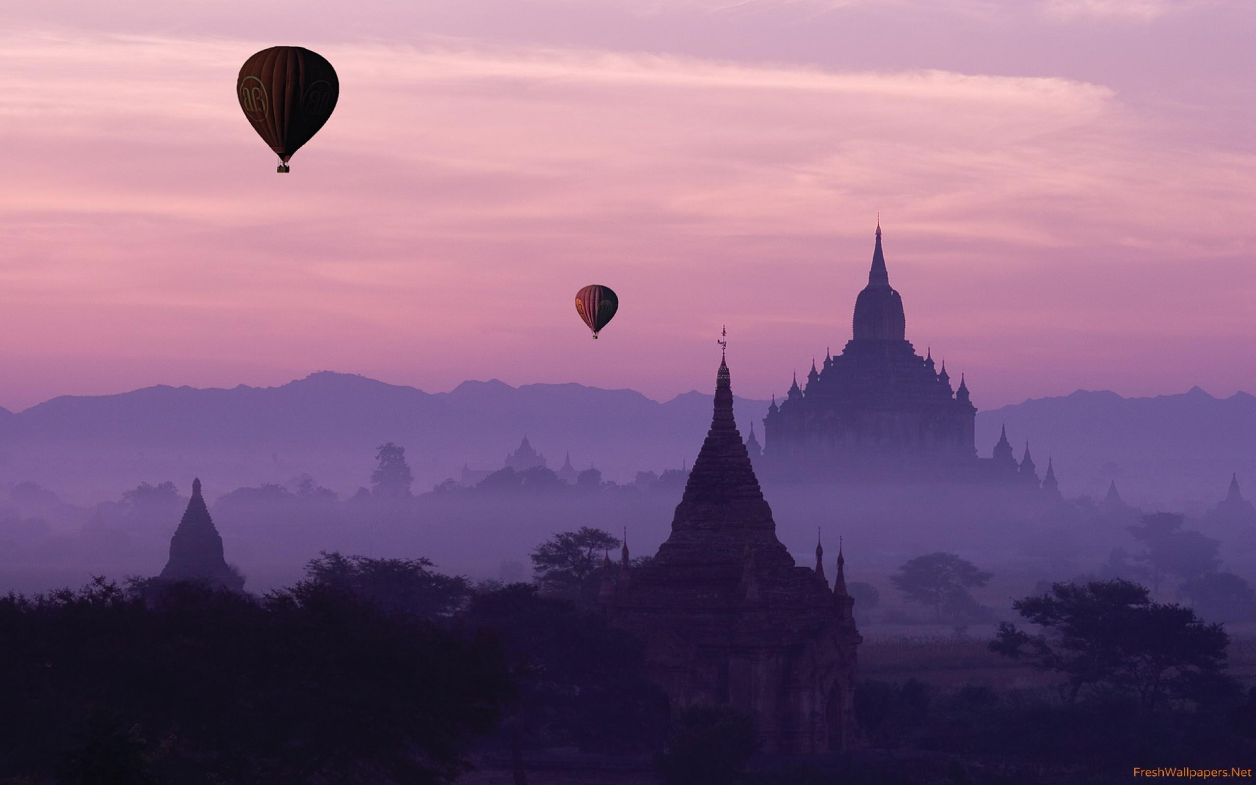 Temples and Hot Air Baloons in Fog of Bagan wallpapers