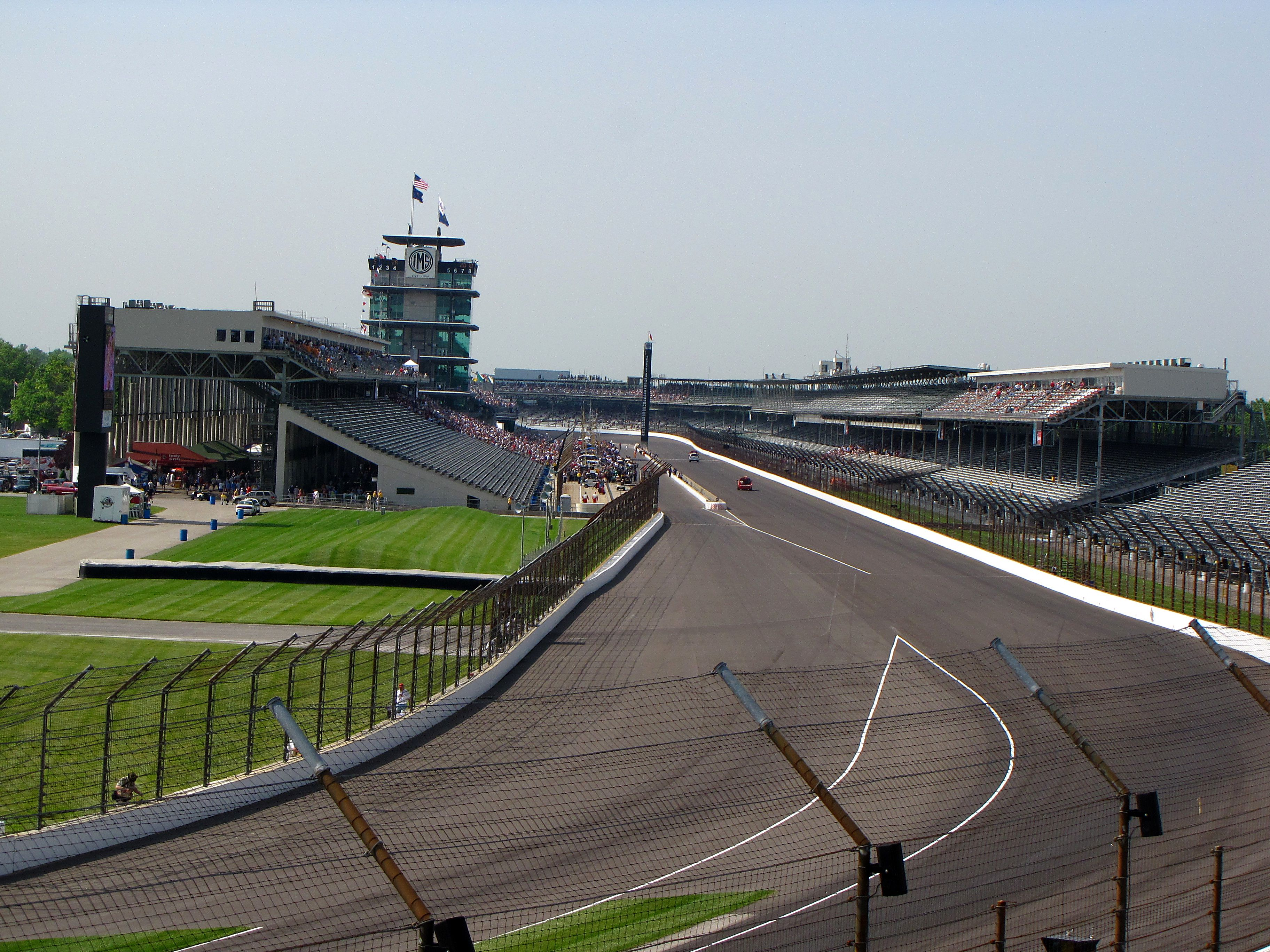 File:Indianapolis Motor Speedway (15982572368).jpg - Wikimedia Commons