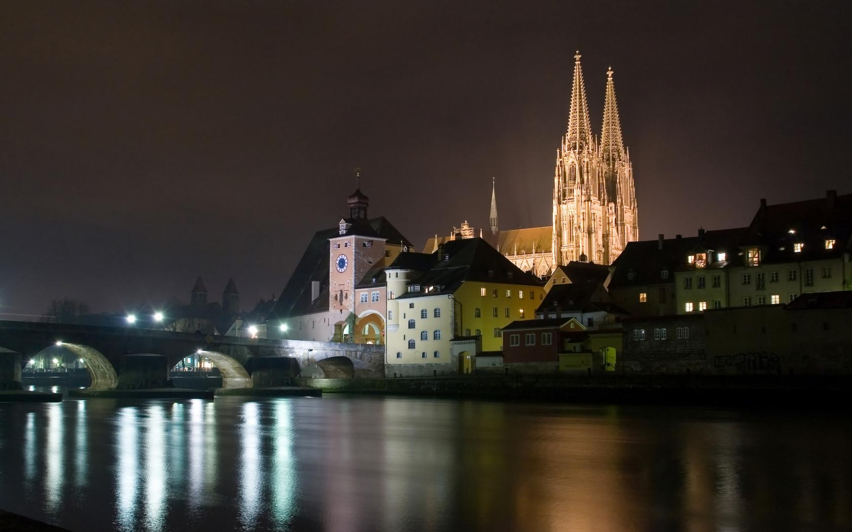 Free Download High quality regensburg-bei-nacht Architecture ...