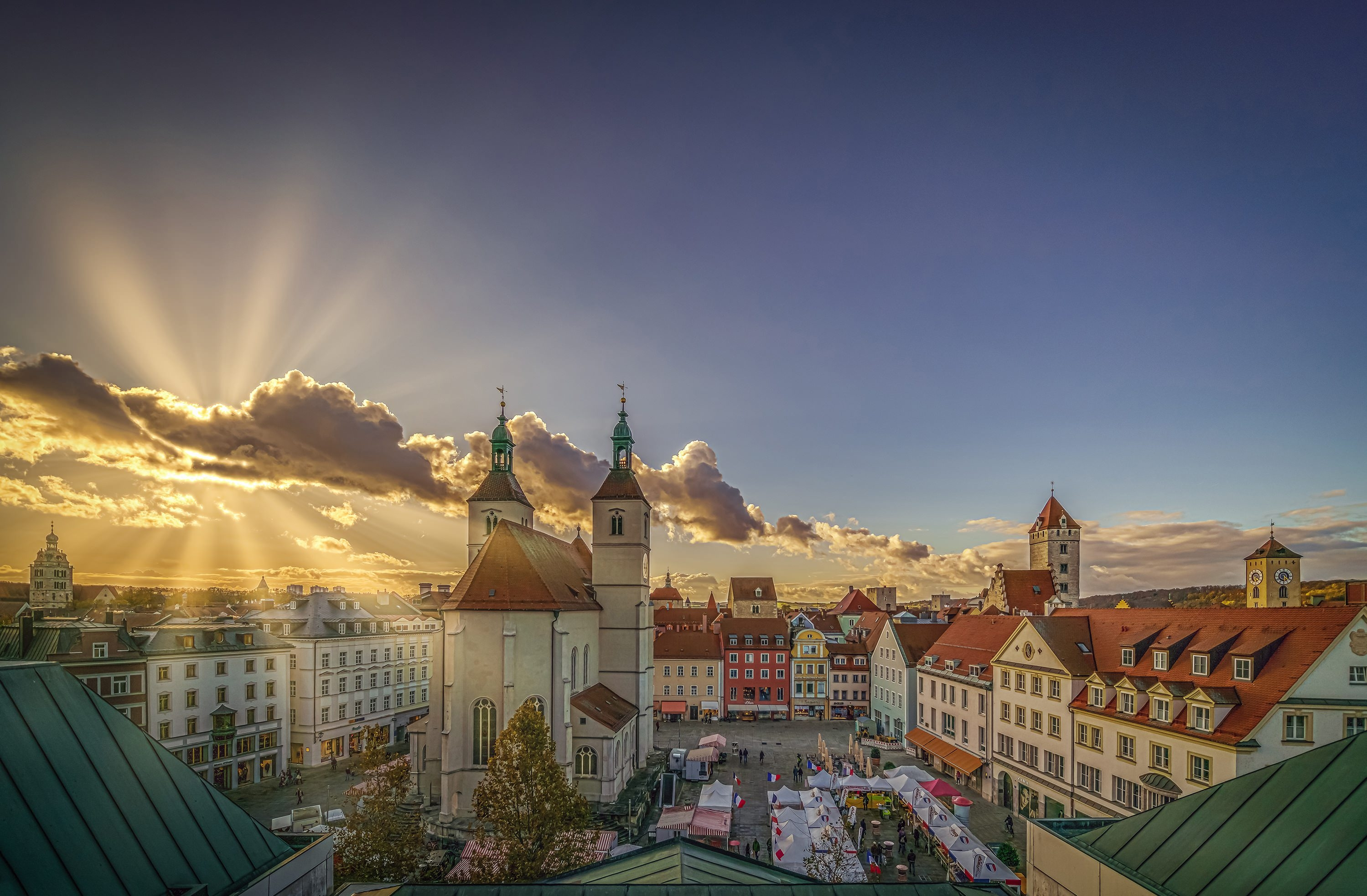 Wallpaper rays, church, Germany, houses, Regensburg, square ...