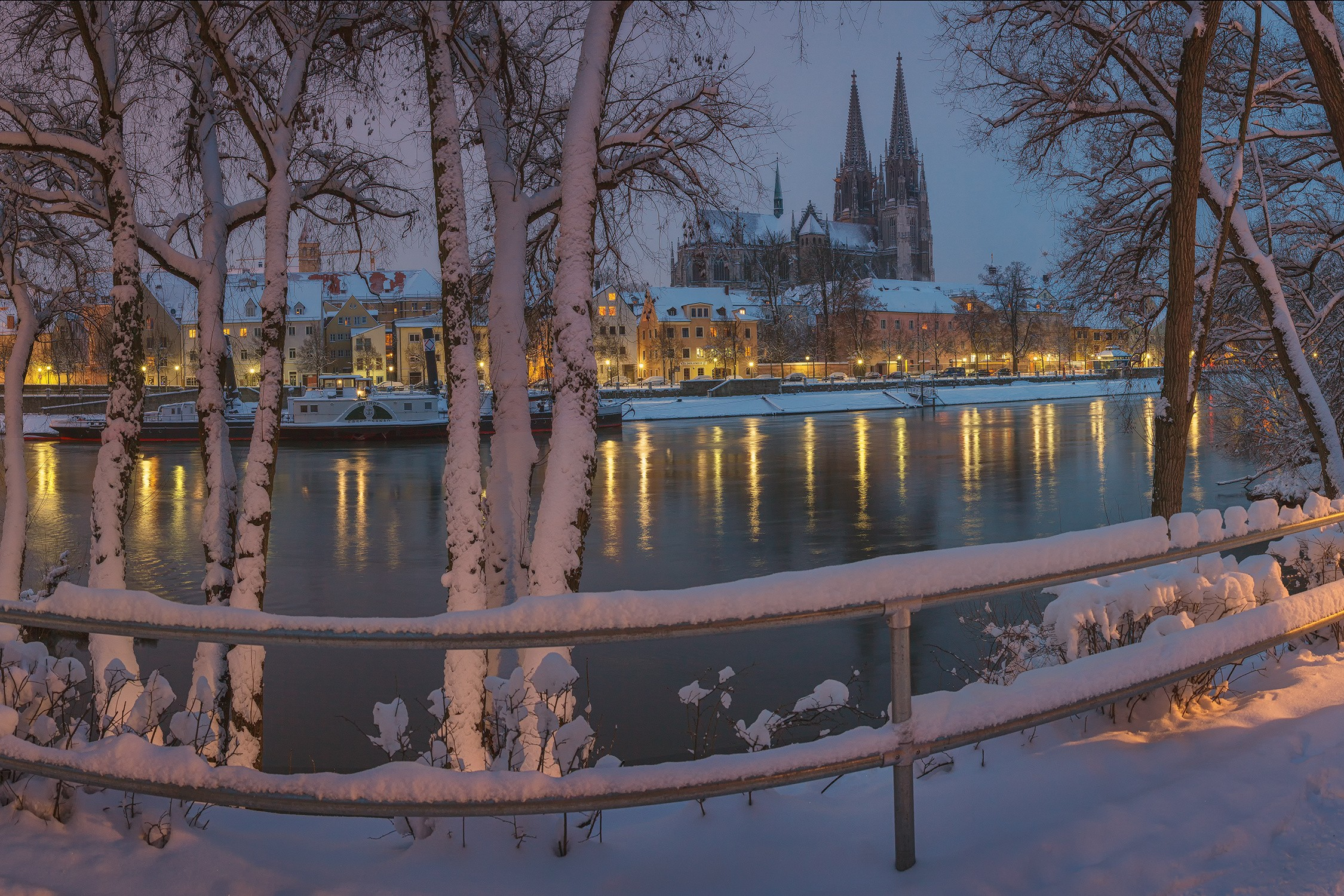 Winter: River Winter Bavaria City Regensburg Germany Nature Enjoy ...