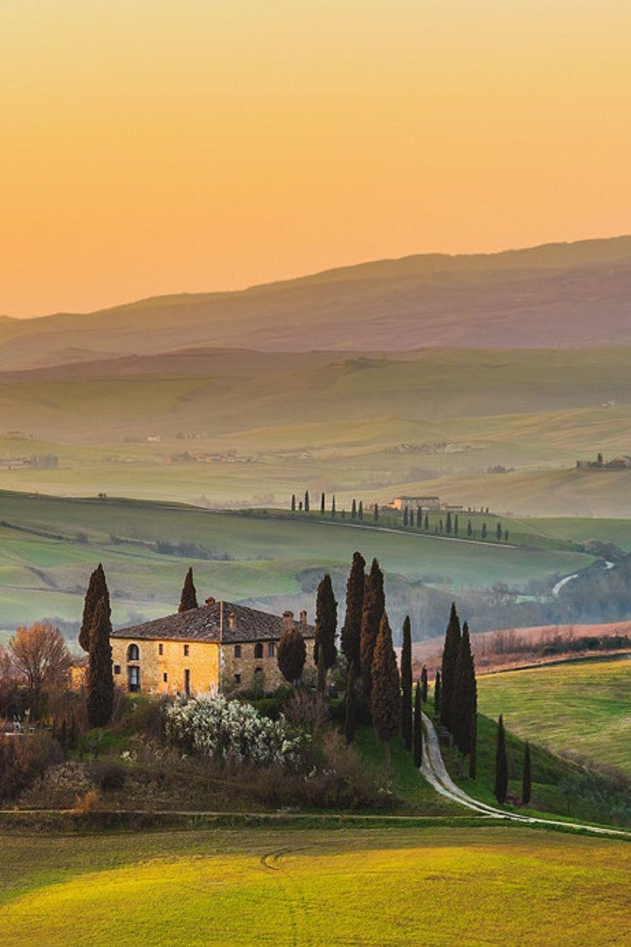 Another amazing picture of the Tuscan Countryside #Tuscany #travel ...