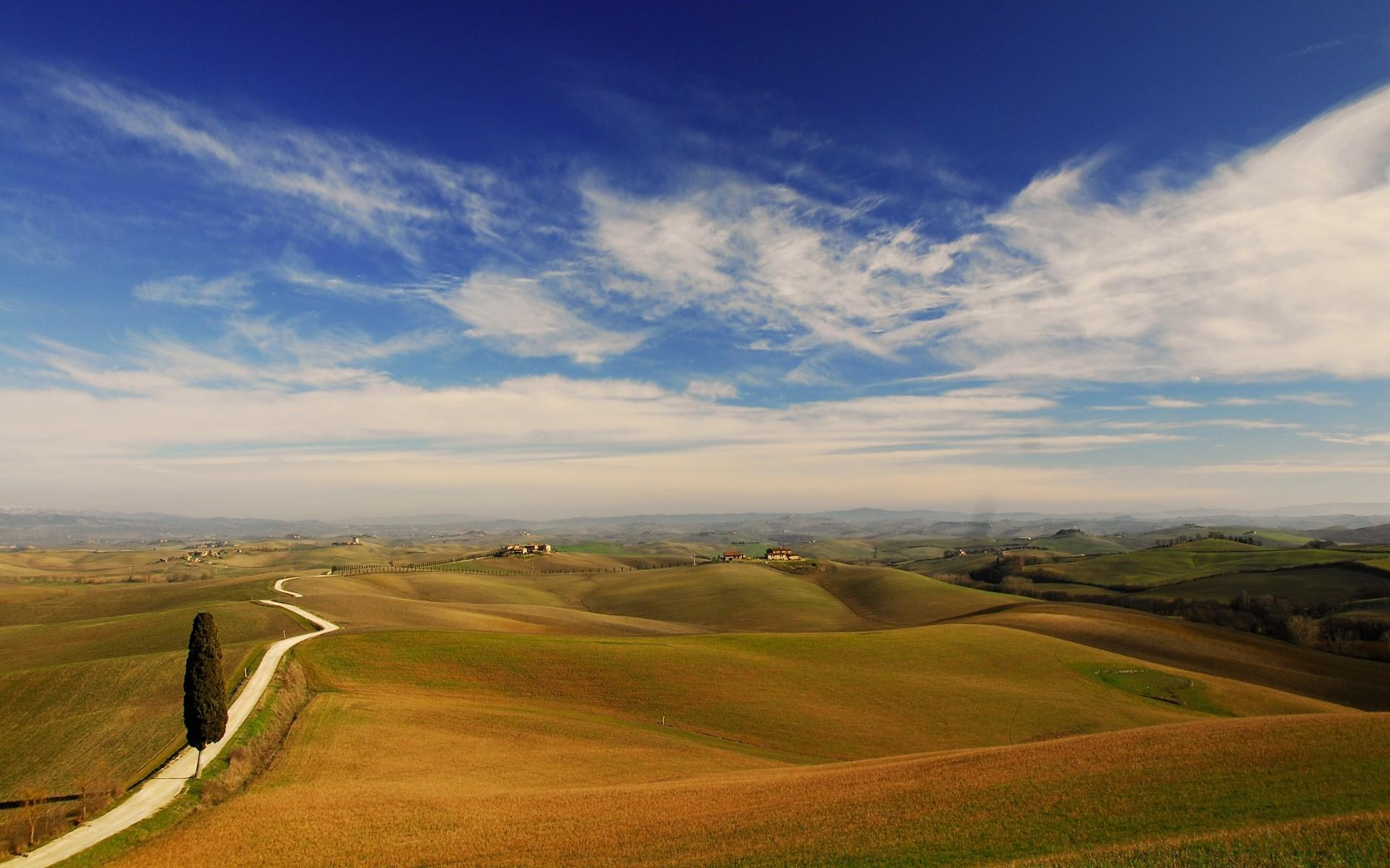 Tuscany Landscape. Desktop wallpapers for free.