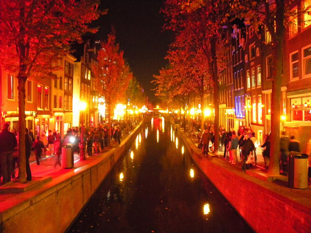 Should Children be Banned from the Red Light District? – DutchReview