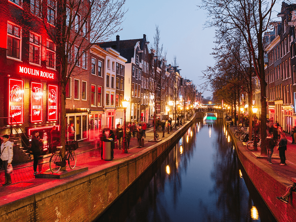 Lizzyknows — Top Things to Do in Amsterdam's Red Light District