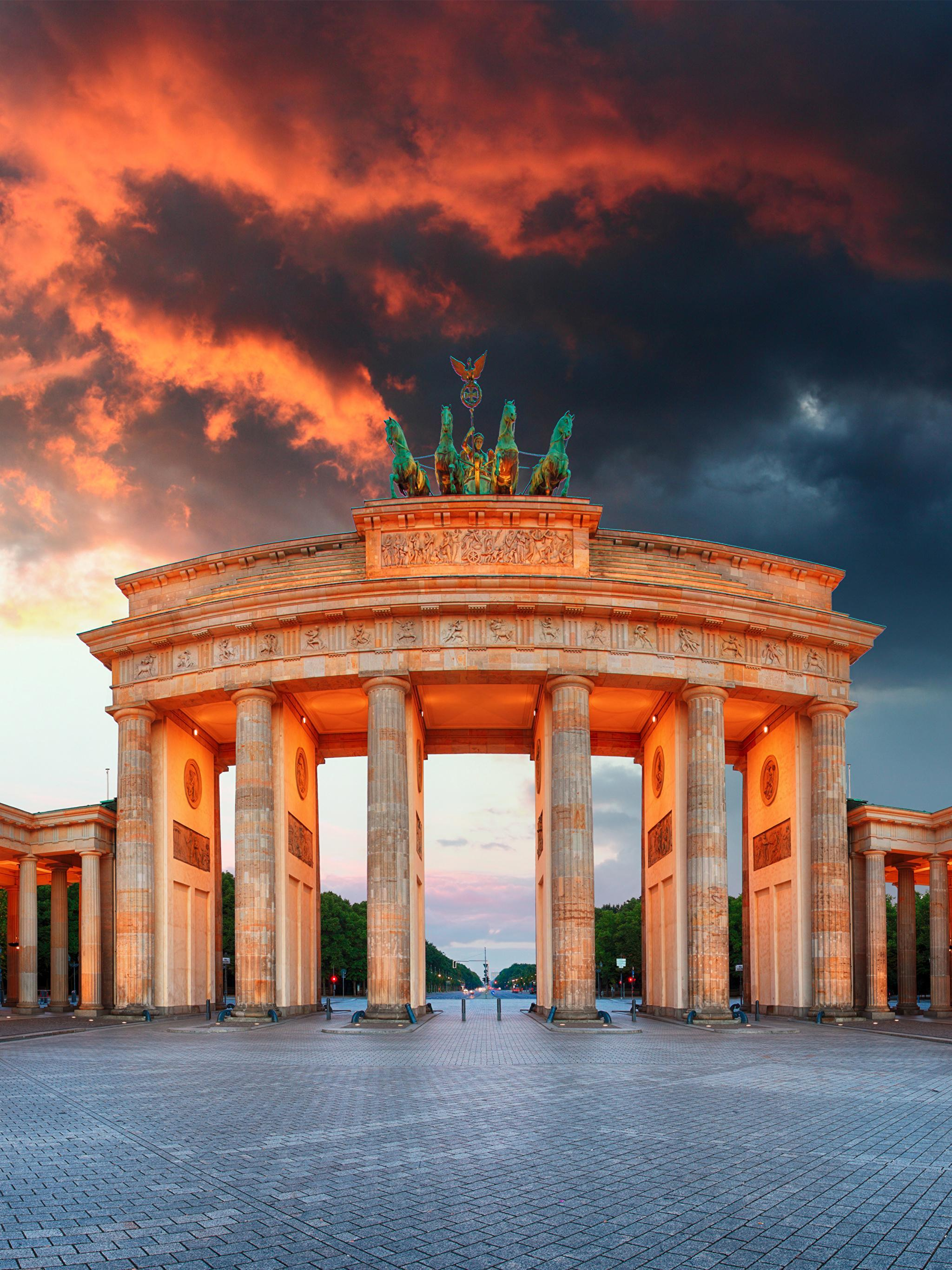 Photos Berlin Germany Town square Column Brandenburg Gate 2048x2732