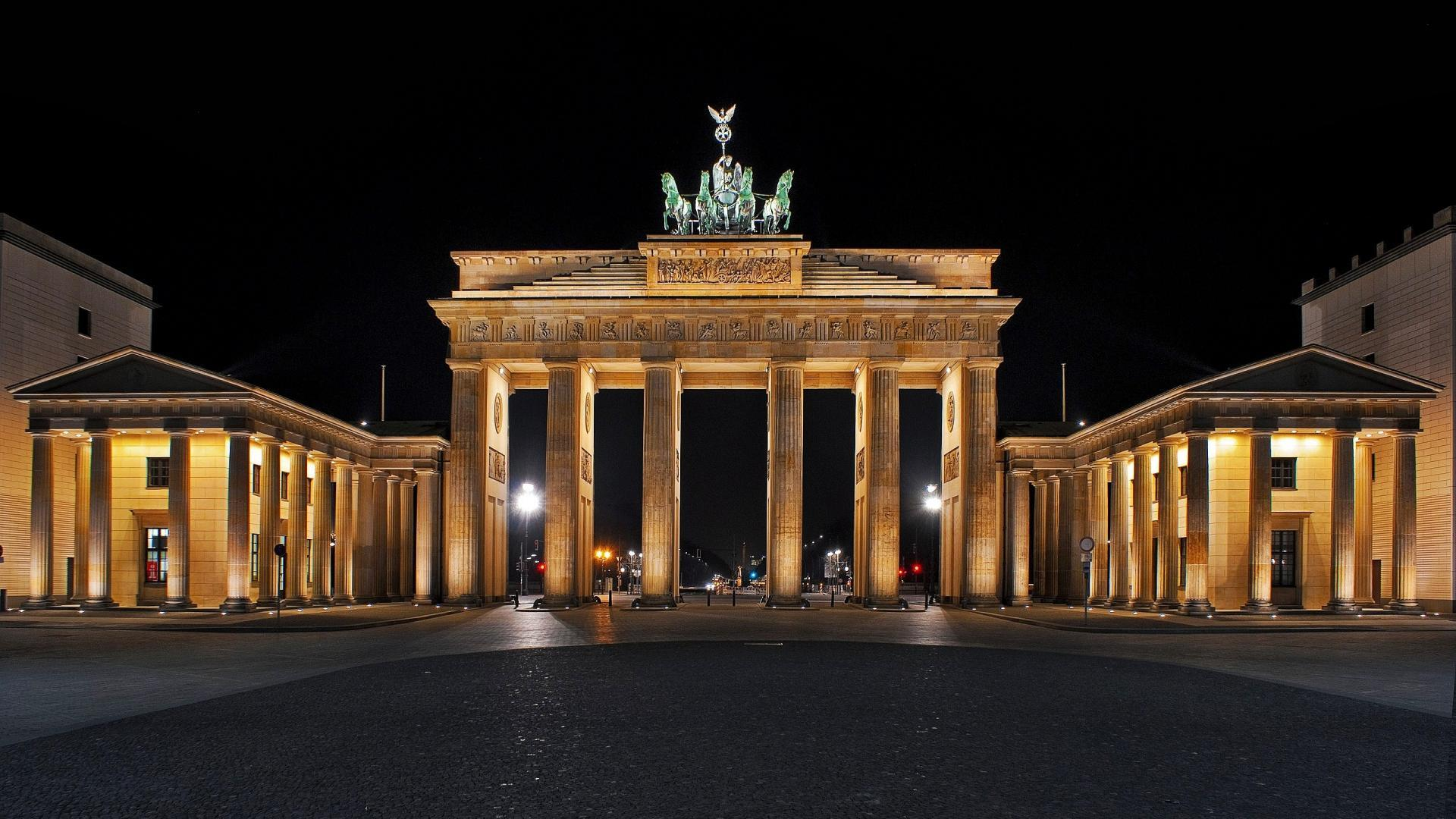 Brandenburg Gate Night View Photo – Travel HD Wallpapers