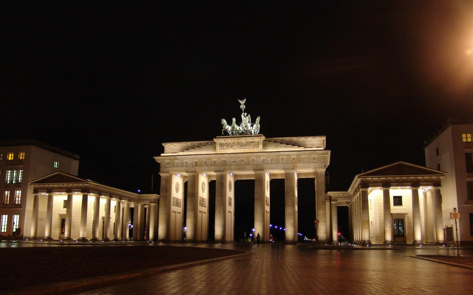 Triumphal Brandenburg Gate Wallpapers – Travel HD Wallpapers