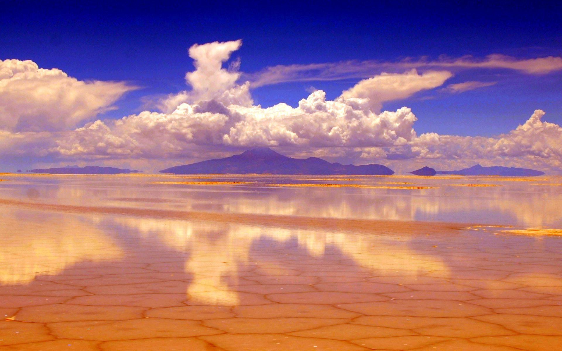 Salar de Uyuni .....and more, downloadable wallpapers!!