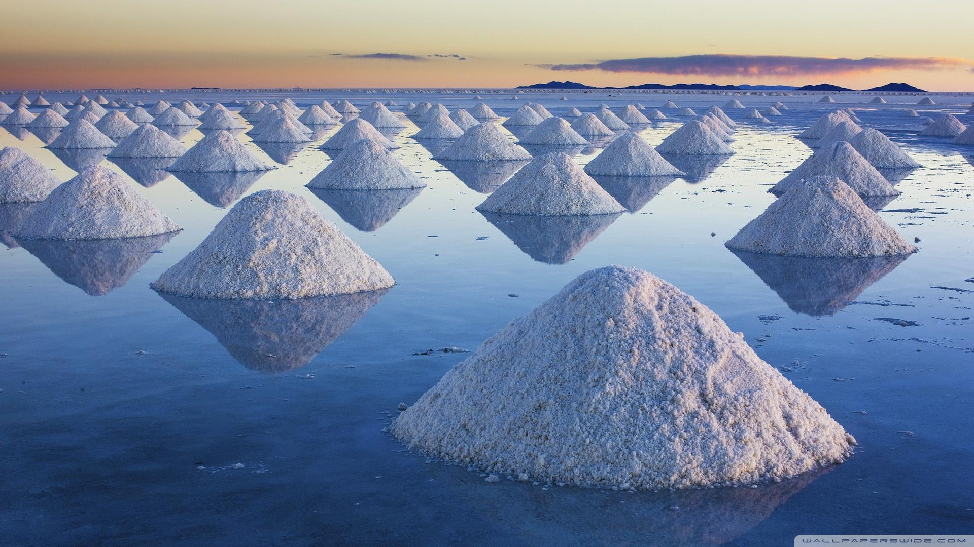 Salt Mounds At Salar De Uyuni, Bolivia ❤ 4K HD Desktop Wallpapers