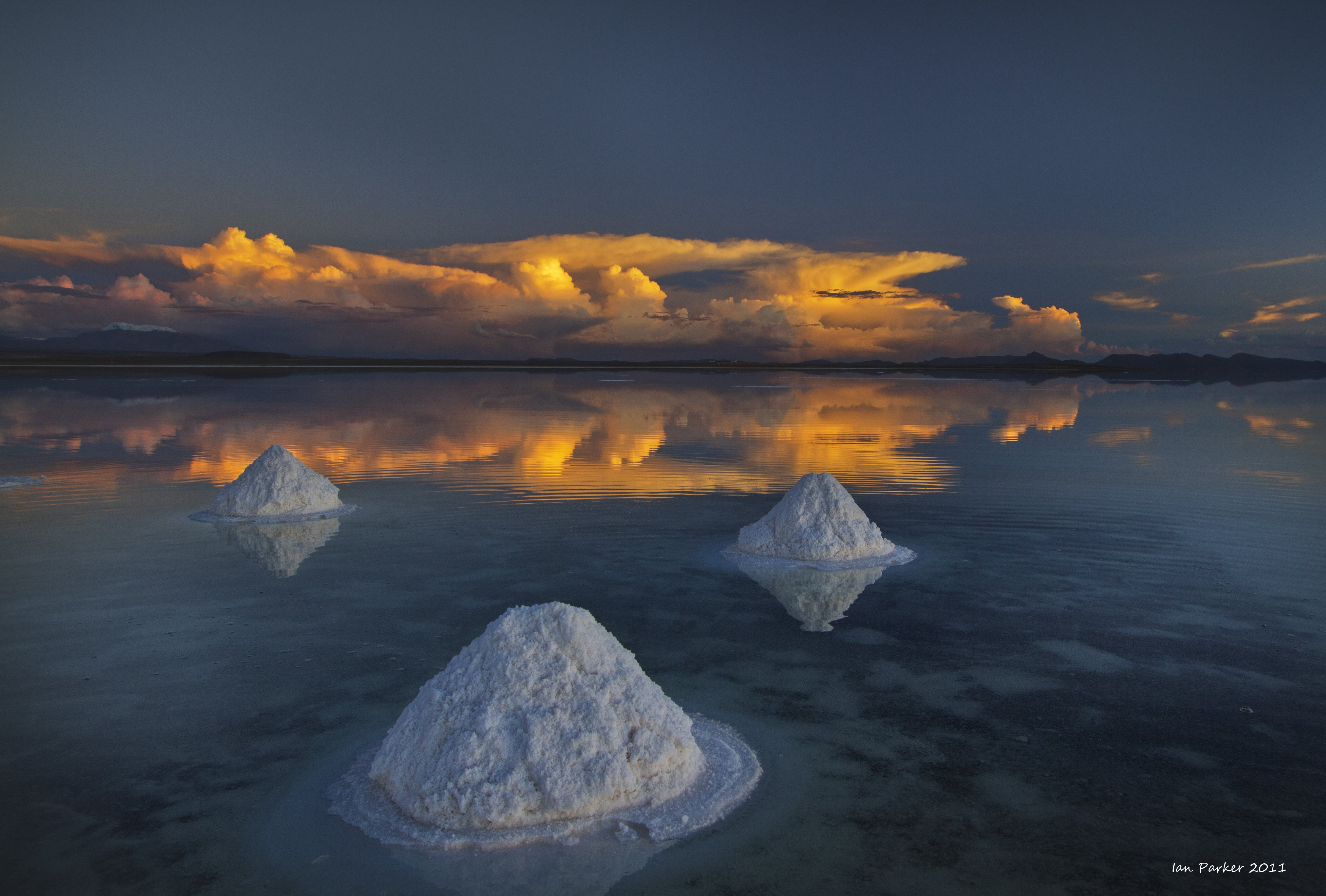 uyuni wallpapers 4k for your phone and desktop screen
