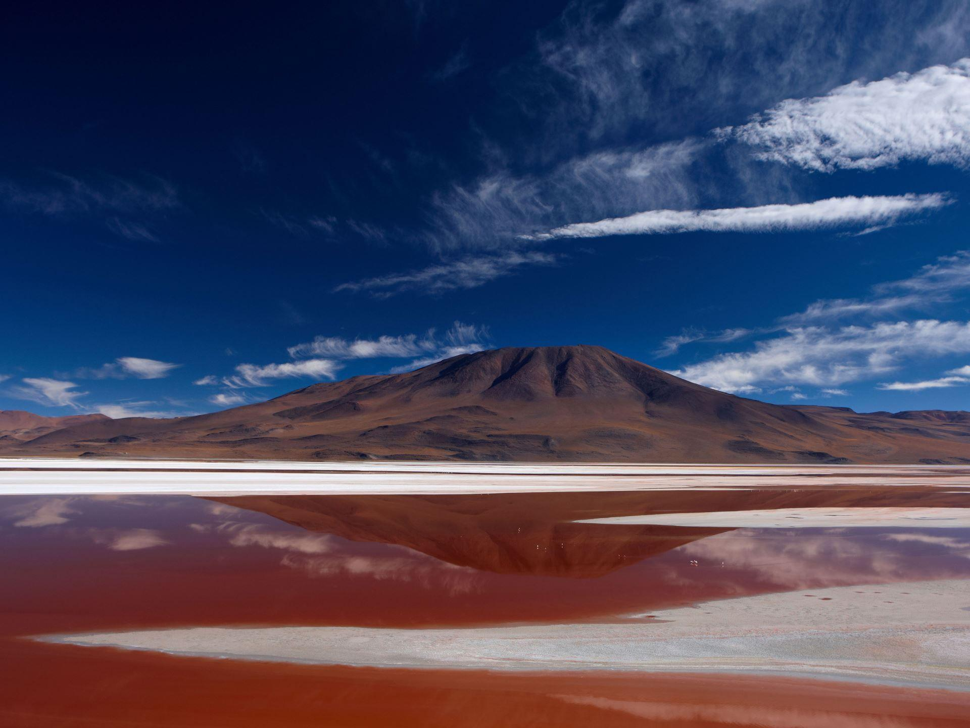 The Most Colorful Bodies of Water in the World | Scenic landscape ...