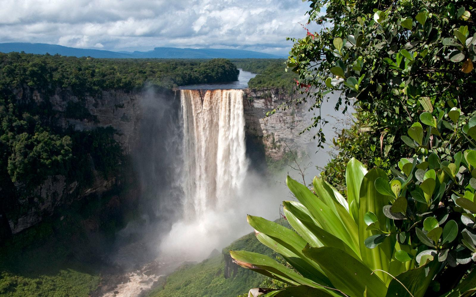 Tallest One Drop Waterfall In The World