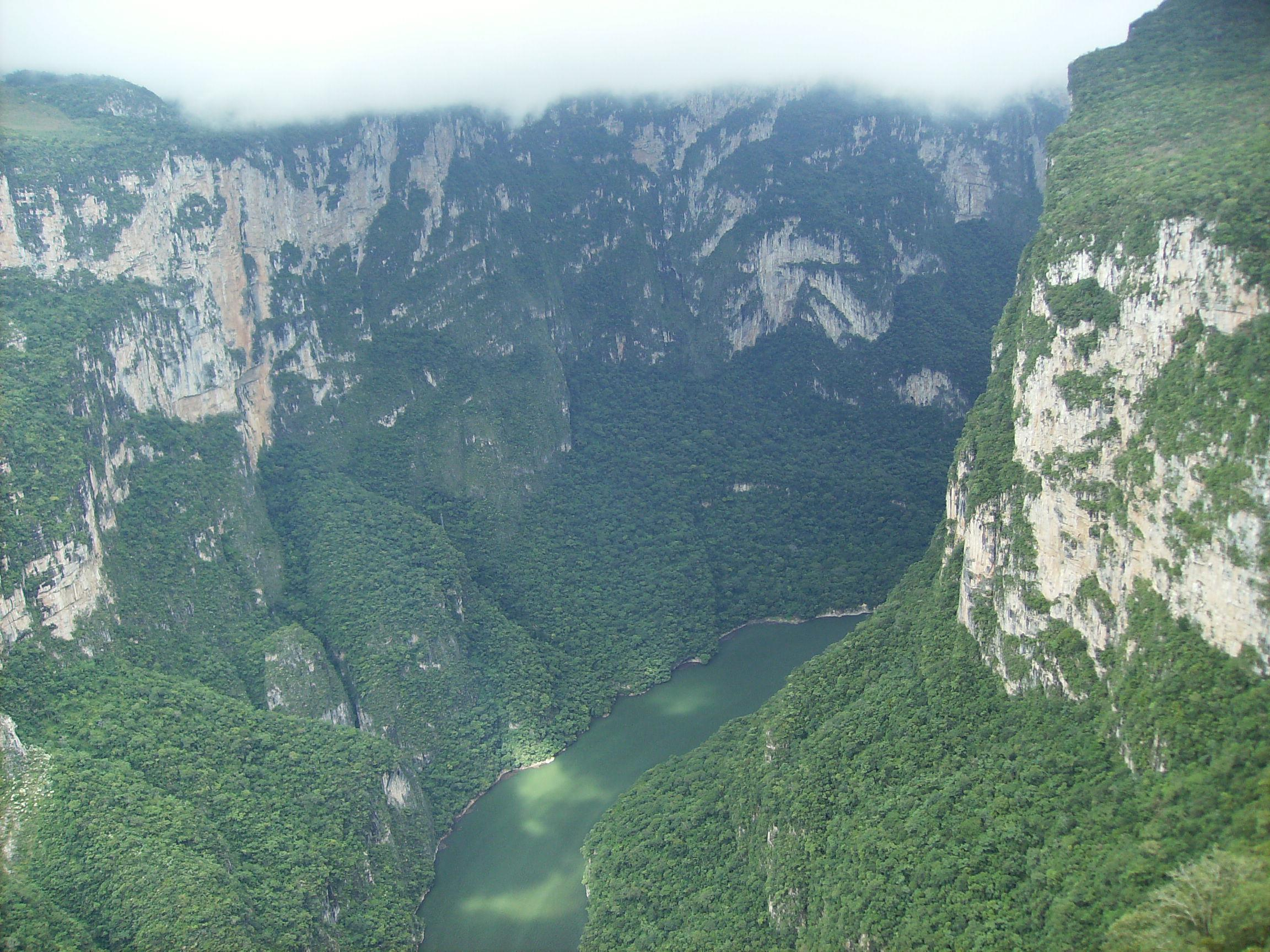 File:Sumidero Canyon.jpg