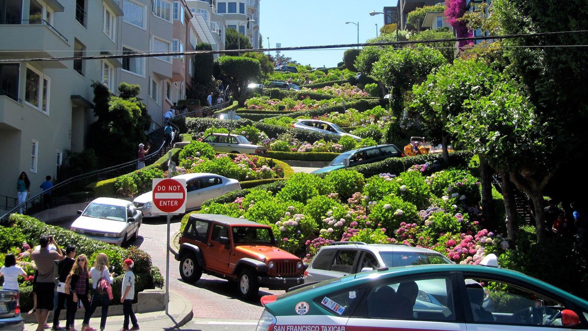 Lombard Street in San Francisco wallpapers and image