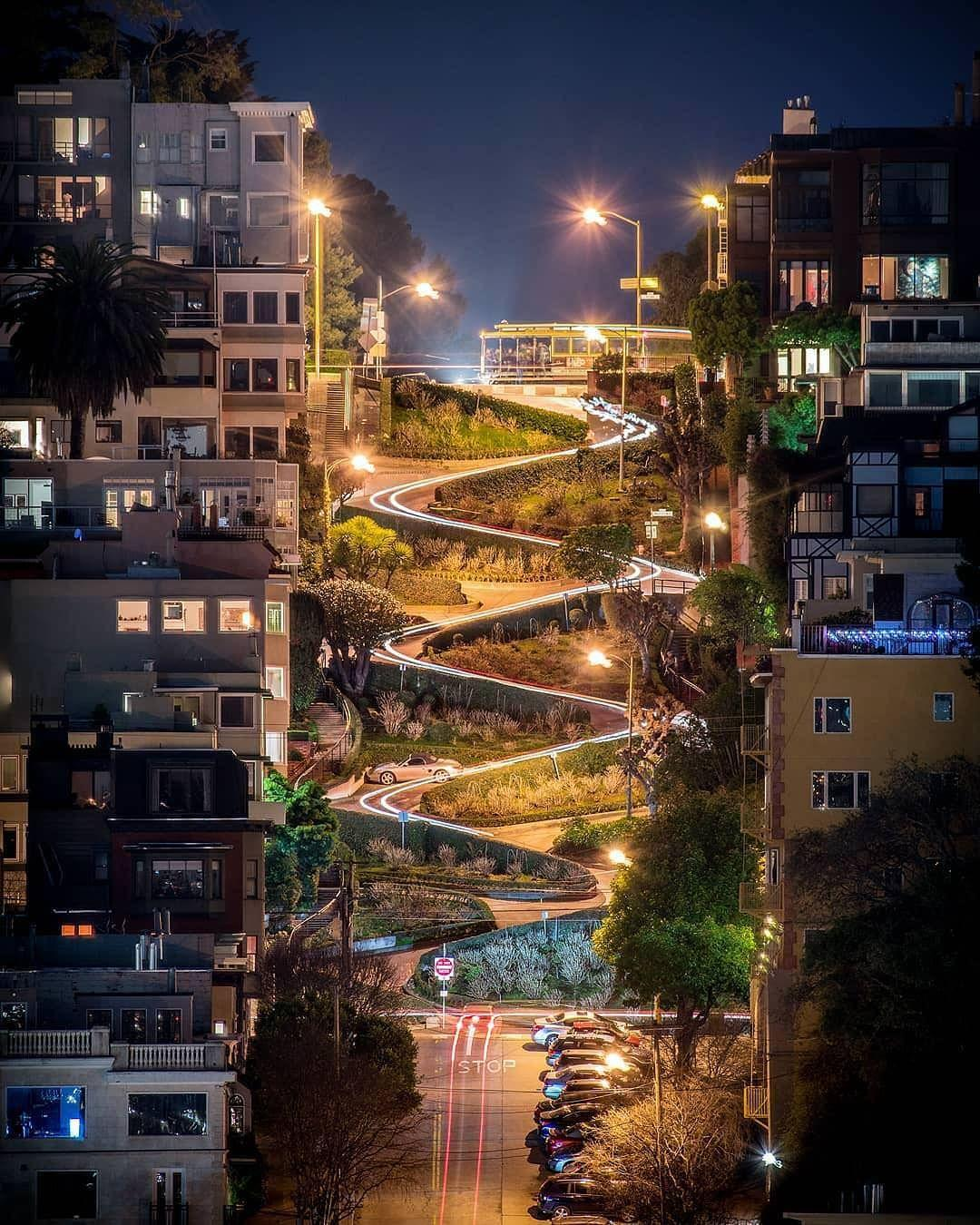 Beautiful night view of Lombard Street San Francisco [1080x1350