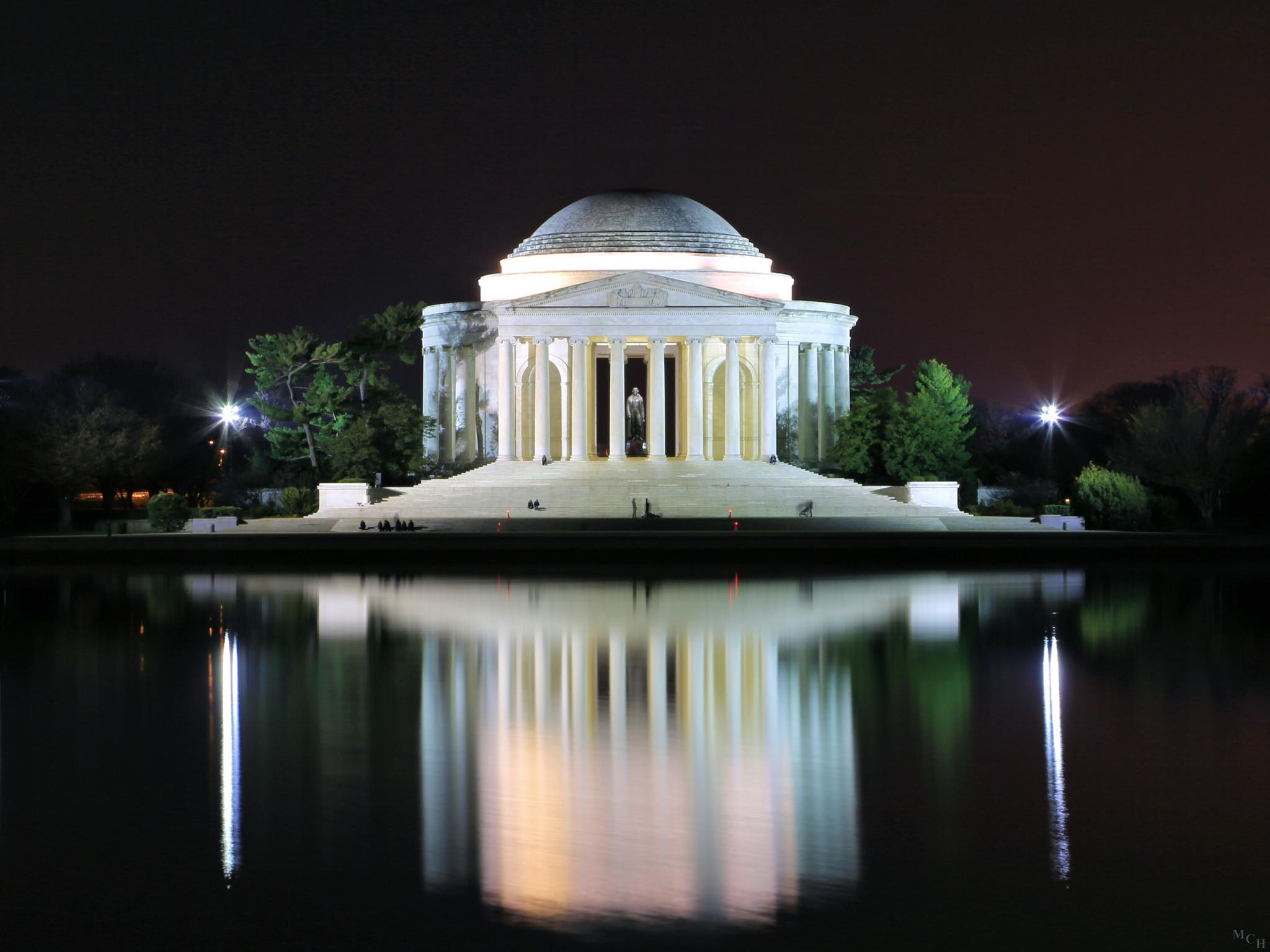 Darkness over the Jefferson Memorial