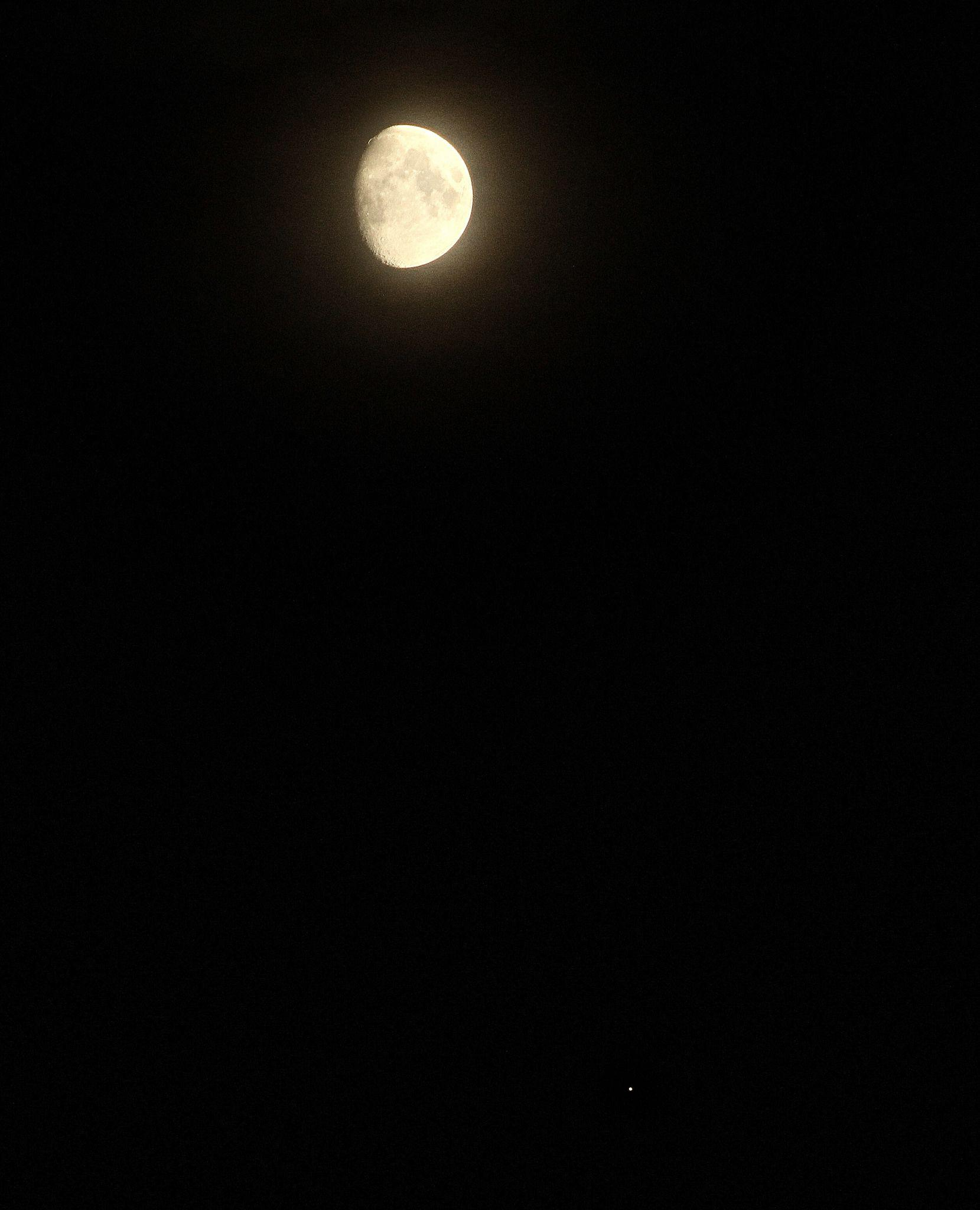Waxing Gibbous Moon and Jupiter | wallpaper | Pinterest | Astronomy ...