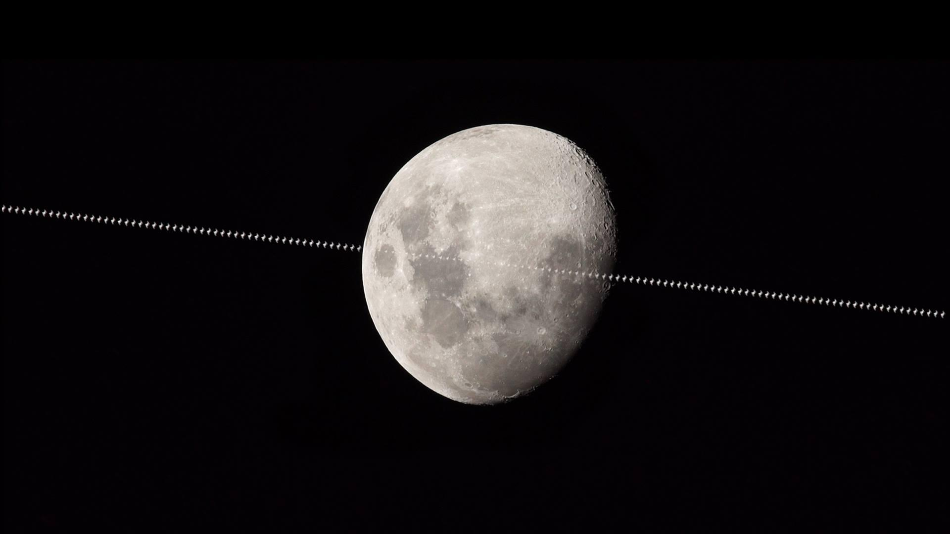 ISS crosses the moon's face | Today's Image | EarthSky