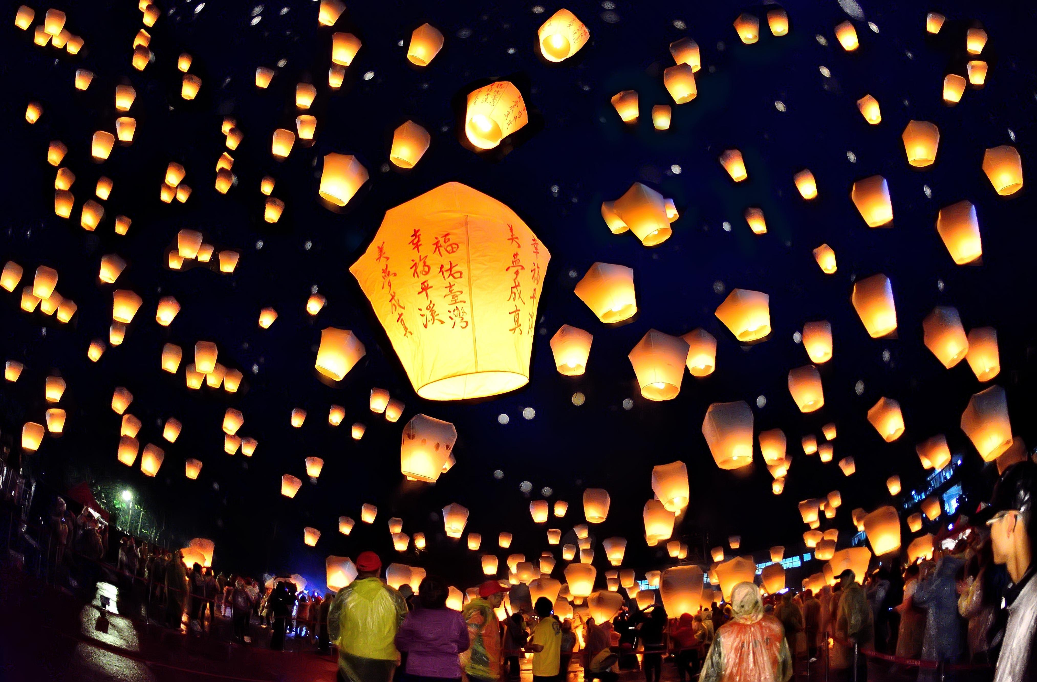 At Pingxi Lantern Festival, wishes light up the Taiwan sky