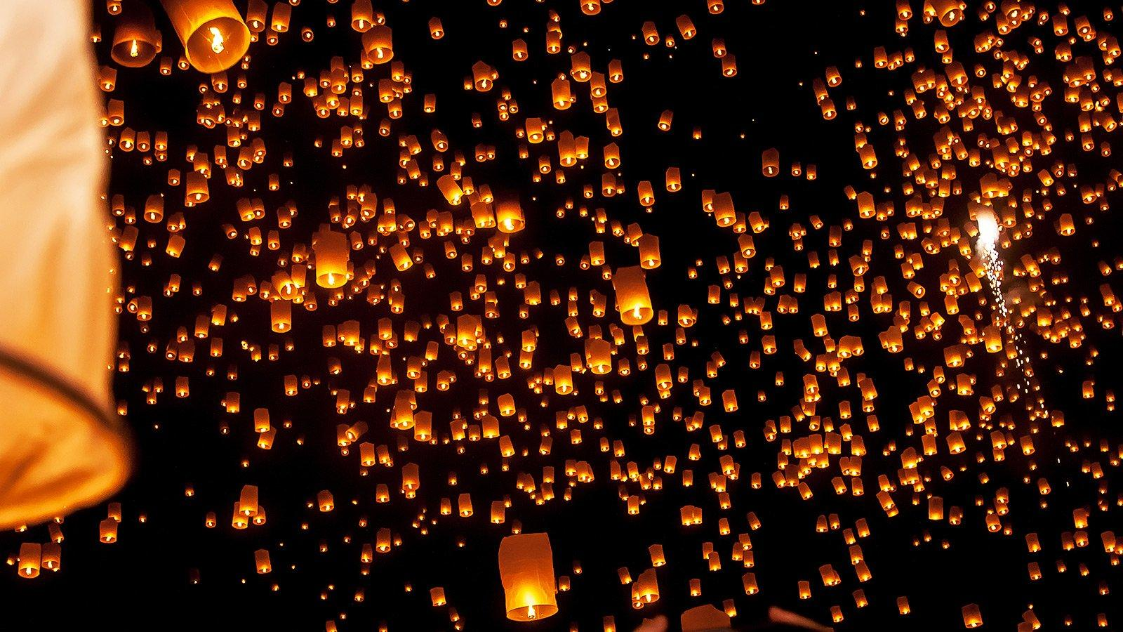How to see thousands of sky lanterns at the Mae Jo event in Chiang Mai