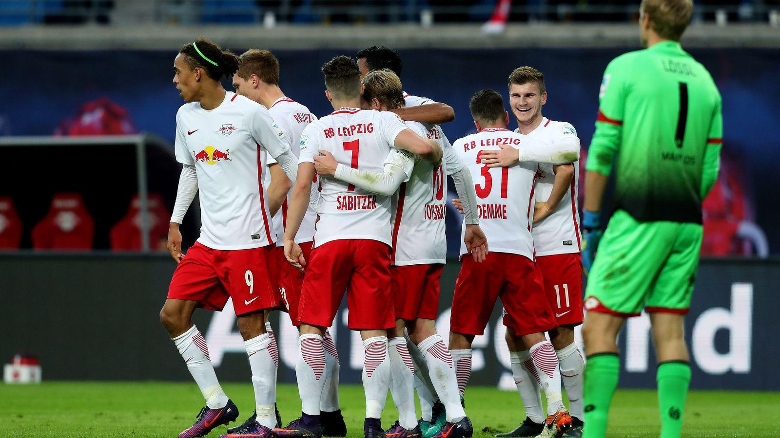 RB Leipzig gets in on the Mannequin Challenge