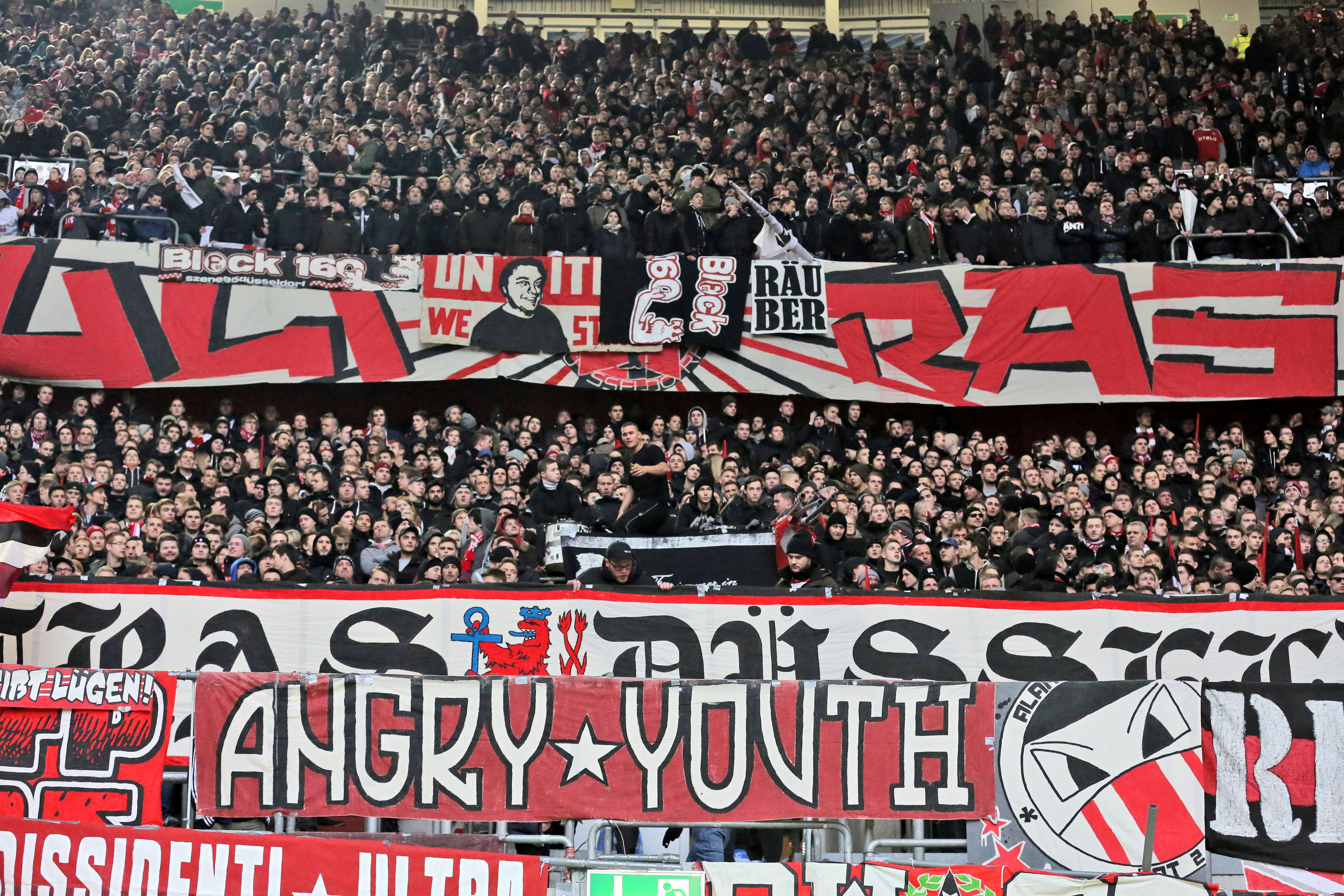 Fankurve von Fortuna Düsseldorf Ultras Angry Youth Fortuna ...