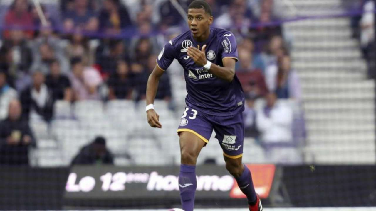 Barcelona confirm signing of Toulouse central defender Jean-Clair Todibo