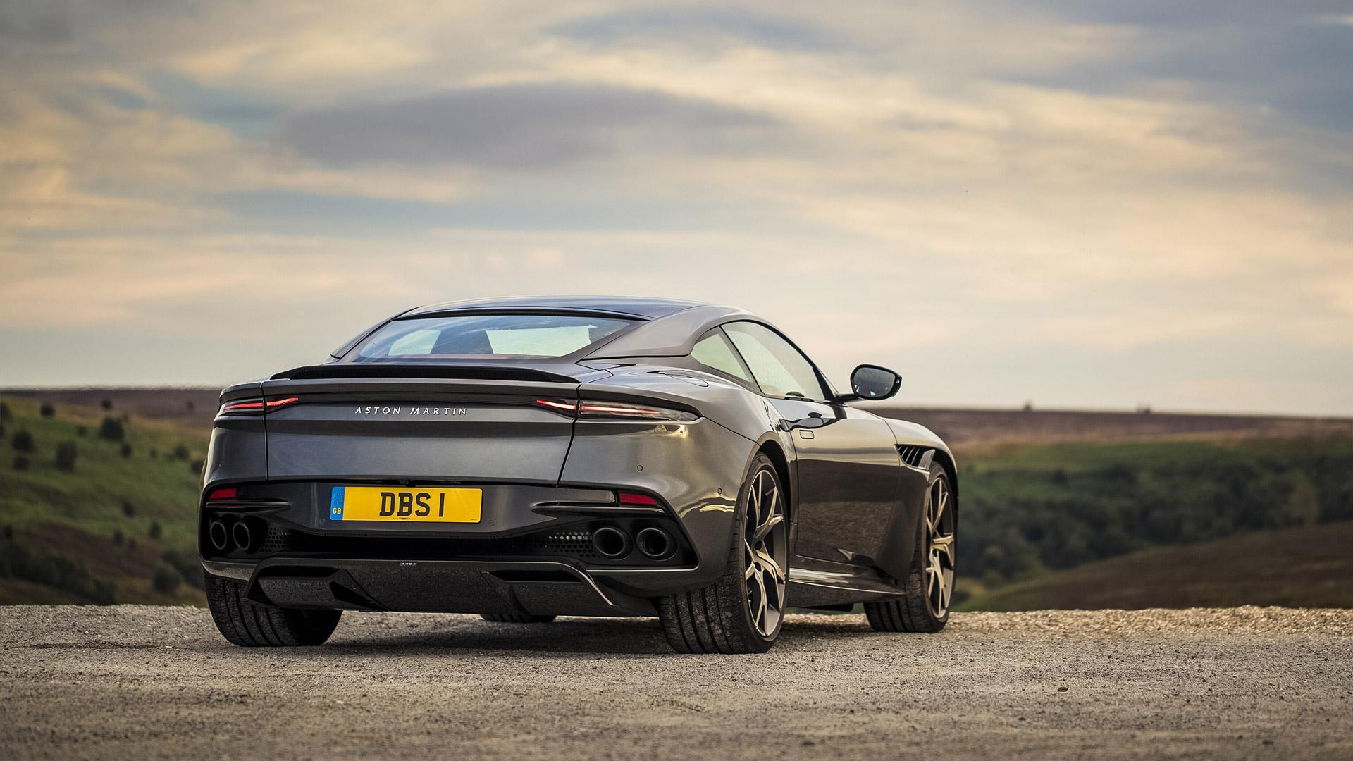 Aston Martin Dbs Superleggera Volante Wallpapers Wallpaper Cave