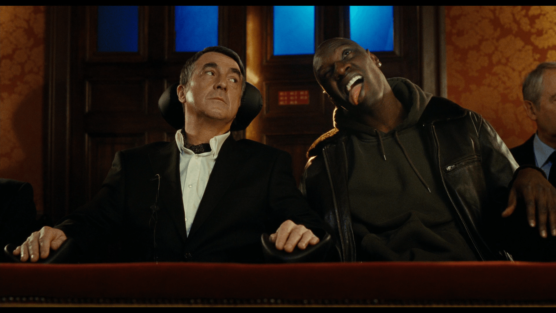Index of /reviews/image/reviews/1/intouchables