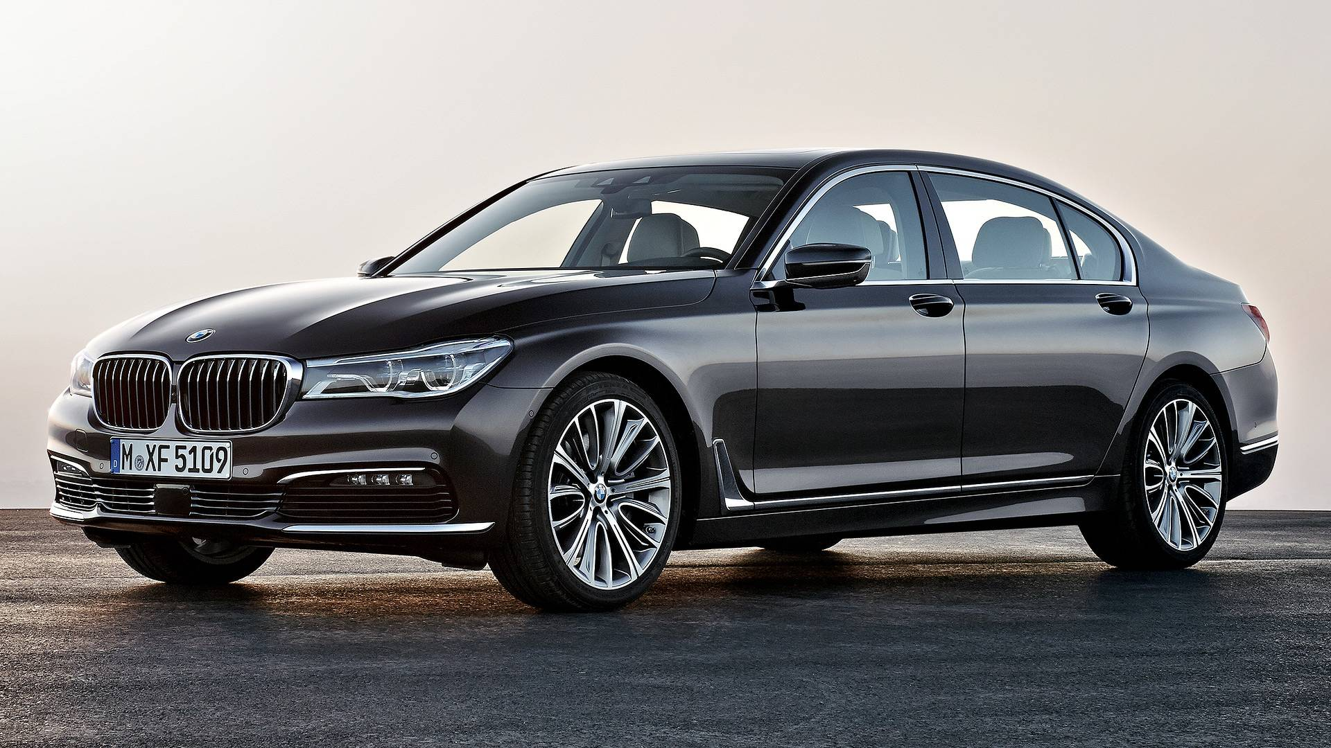 BMW 7 Series News and Reviews